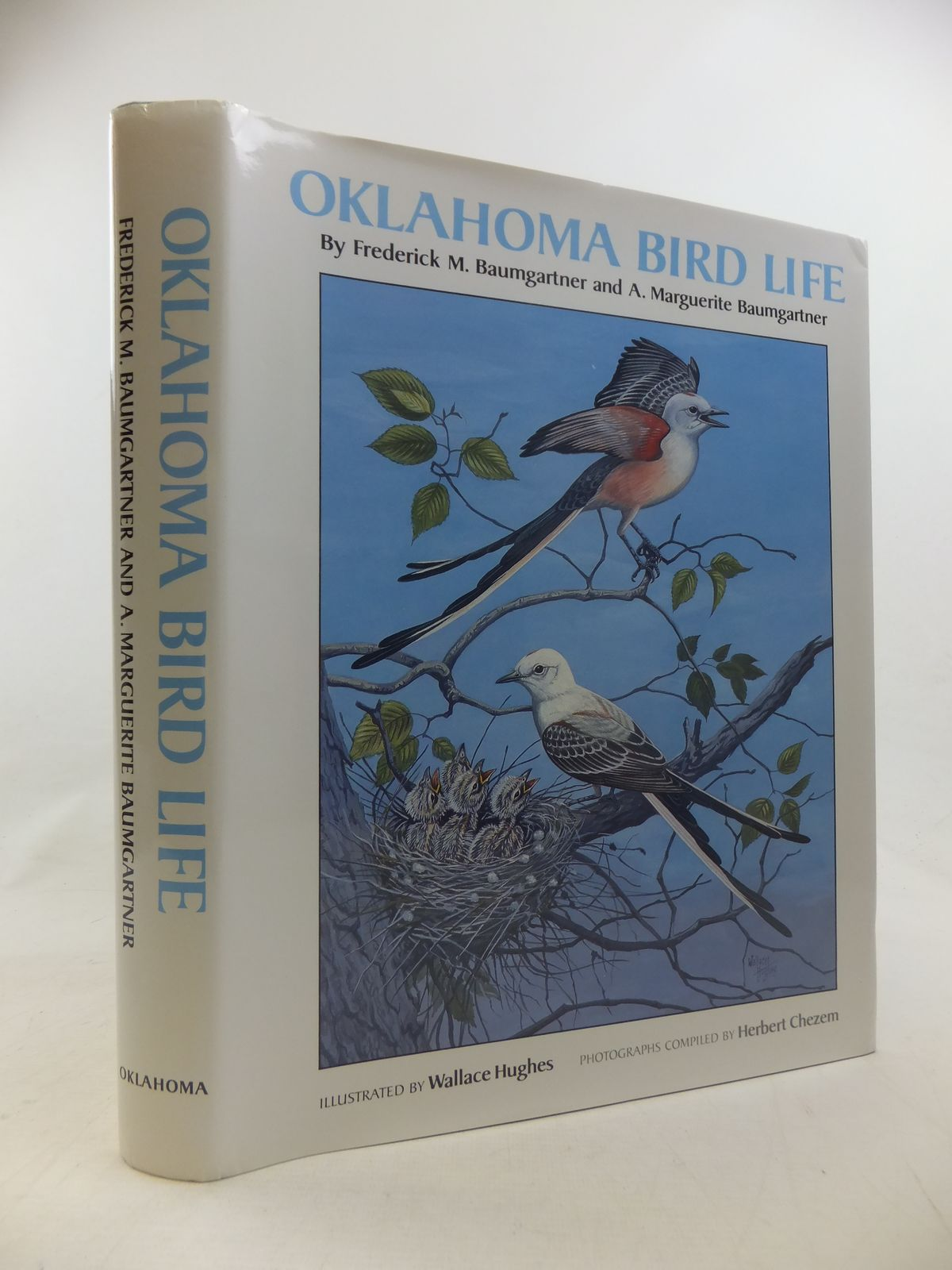 Photo of OKLAHOMA BIRD LIFE written by Baumgartner, Frederick M.<br />Baumgartner, A. Marguerite illustrated by Hughes, Wallace published by University of Oklahoma Press (STOCK CODE: 1811187)  for sale by Stella & Rose's Books