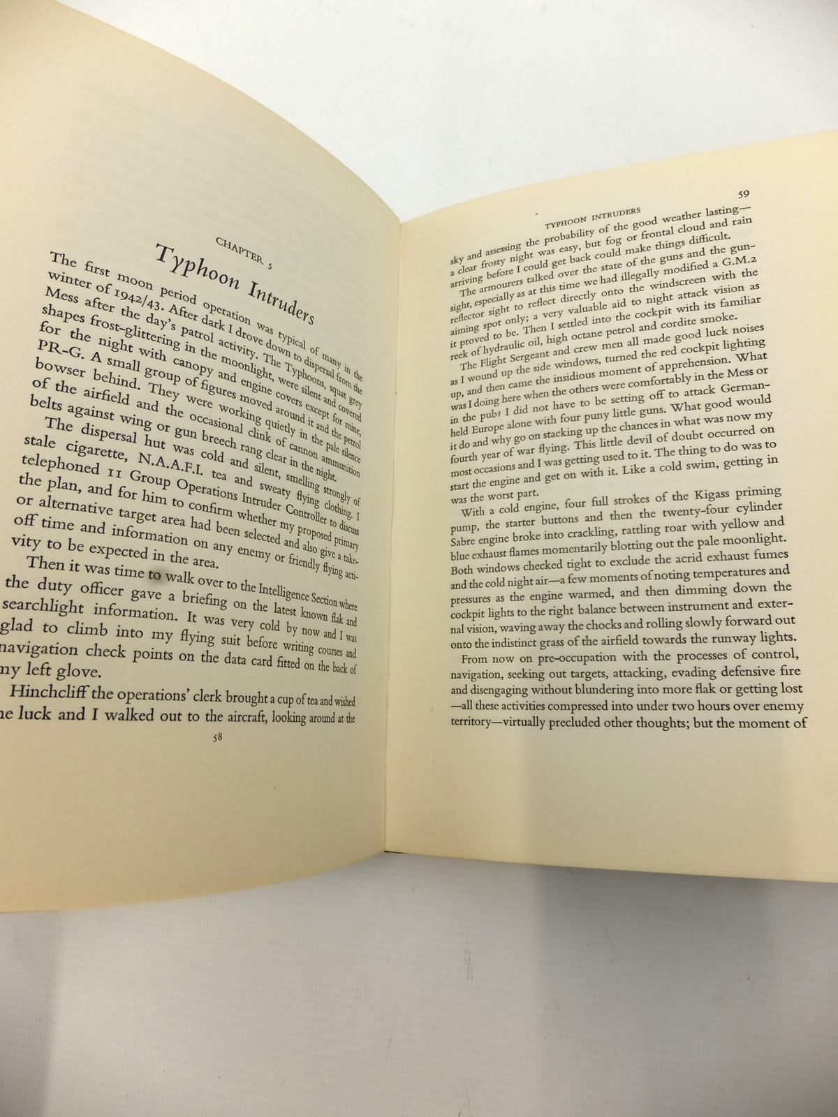 Photo of PHOENIX INTO ASHES written by Beamont, Roland published by William Kimber (STOCK CODE: 1813005)  for sale by Stella & Rose's Books