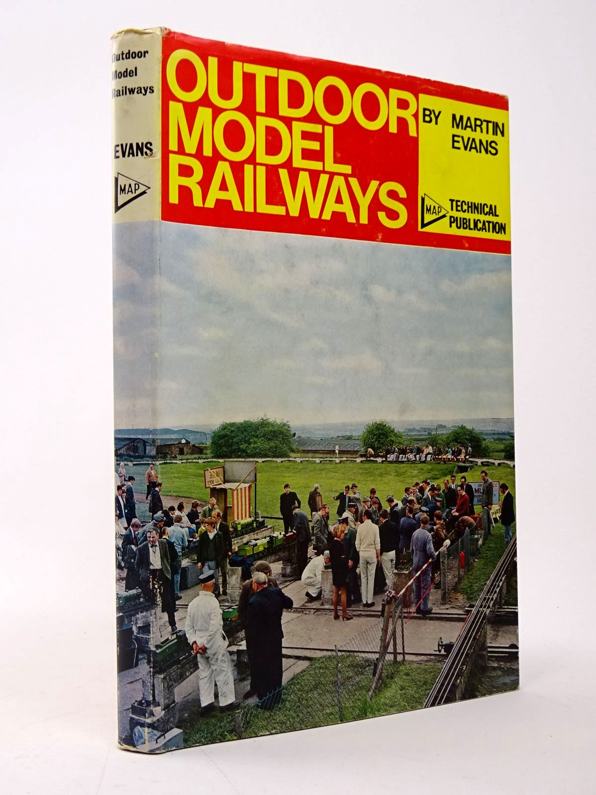 Photo of OUTDOOR MODEL RAILWAYS written by Evans, Martin published by Model & Allied Publications (STOCK CODE: 1817522)  for sale by Stella & Rose's Books