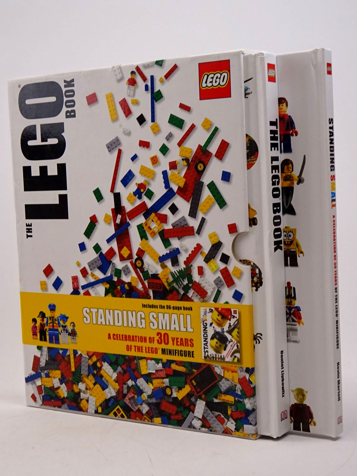 Photo of THE LEGO BOOK- Stock Number: 1817609