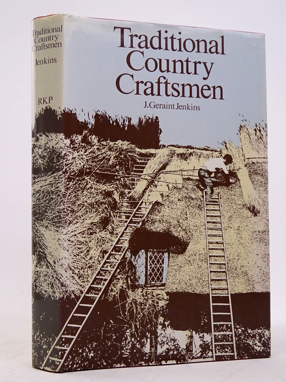 Photo of TRADITIONAL COUNTRY CRAFTSMEN written by Jenkins, John Geraint published by Routledge & Kegan Paul (STOCK CODE: 1817954)  for sale by Stella & Rose's Books