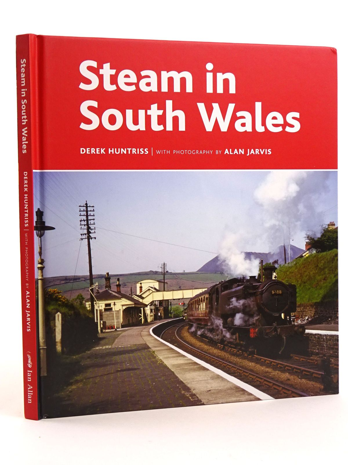 Photo of STEAM IN SOUTH WALES written by Huntriss, Derek published by Ian Allan (STOCK CODE: 1818114)  for sale by Stella & Rose's Books