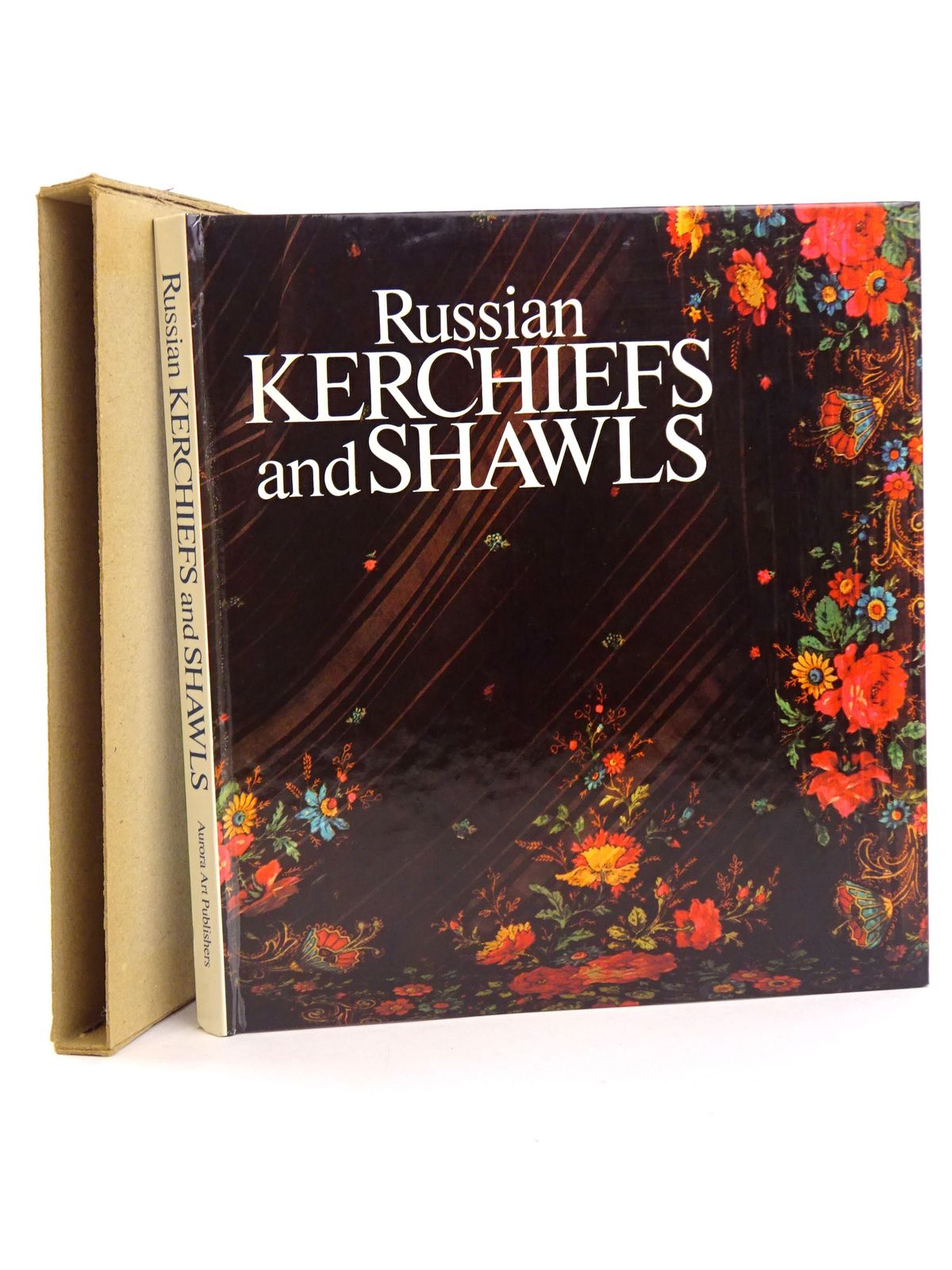 Photo of RUSSIAN KERCHIEFS AND SHAWLS written by Gordeyeva, Olga published by Aurora Art Publishers (STOCK CODE: 1818407)  for sale by Stella & Rose's Books