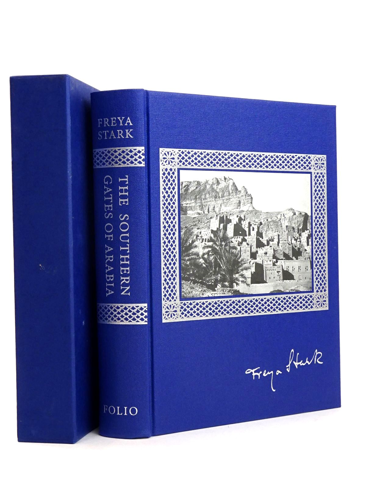 Photo of THE SOUTHERN GATES OF ARABIA written by Stark, Freya<br />Wheeler, Sara published by Folio Society (STOCK CODE: 1818515)  for sale by Stella & Rose's Books