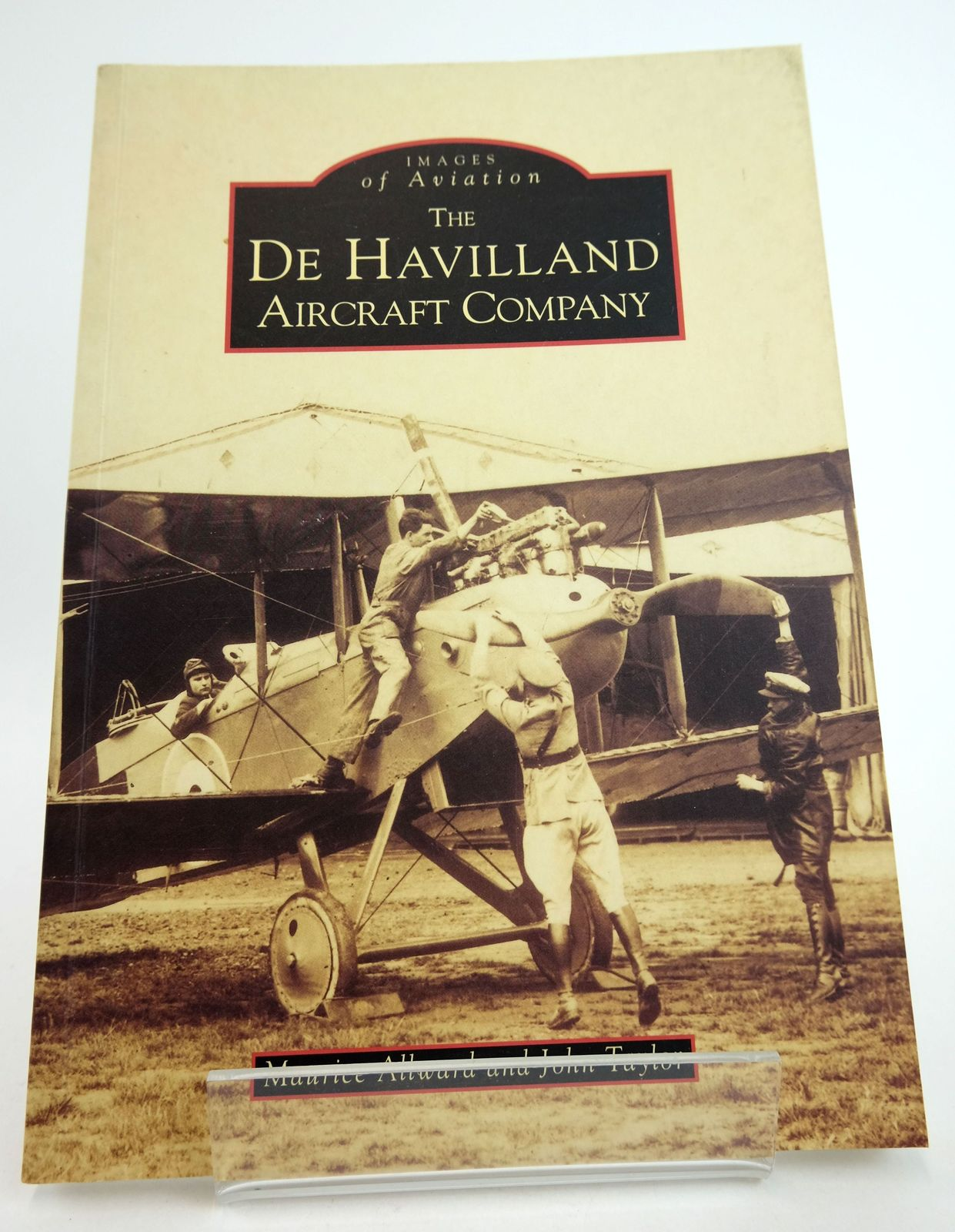 Photo of THE DE HAVILLAND AIRCRAFT COMPANY (IMAGES OF AVIATION)- Stock Number: 1819011