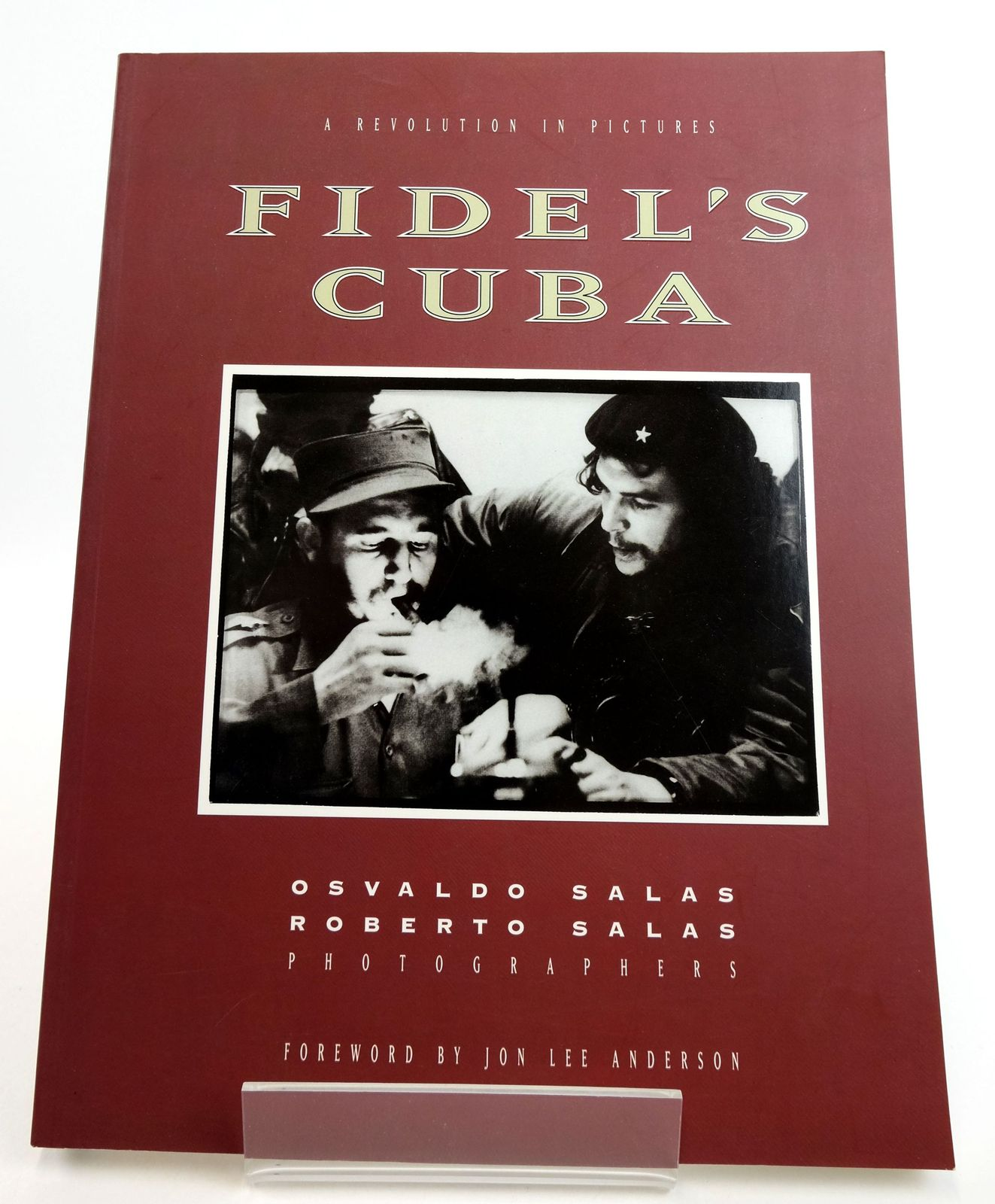 Photo of FIDEL'S CUBA: A REVOLUTION IN PICTURES written by Tozian, Gregory illustrated by Salas, Osvaldo Salas, Roberto published by Thunder's Mouth Press, Beyond Words (STOCK CODE: 1819156)  for sale by Stella & Rose's Books