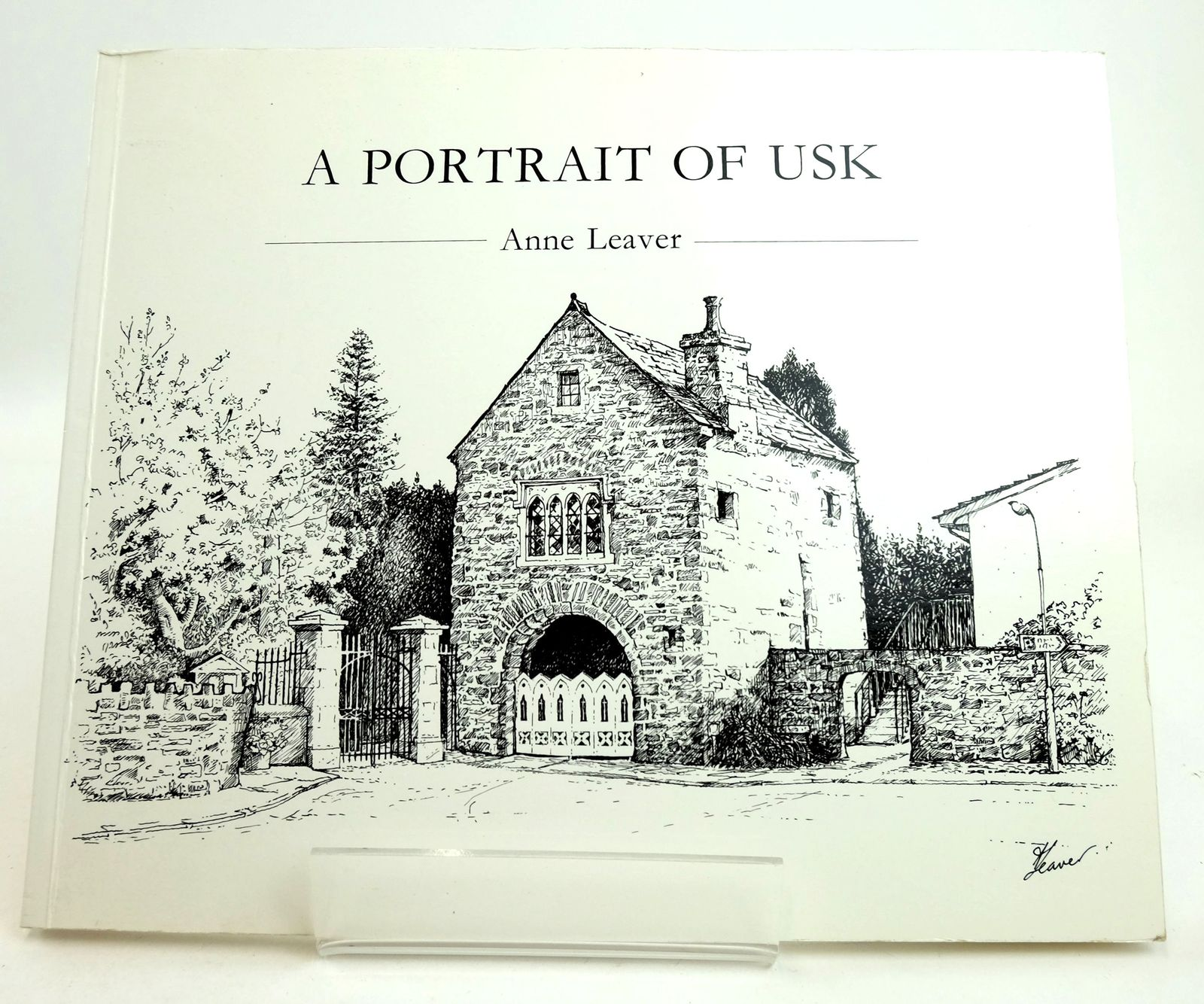 Photo of A PORTRAIT OF USK written by Davies, Cathy illustrated by Leaver, Anne published by Laurels Publishing (STOCK CODE: 1819190)  for sale by Stella & Rose's Books