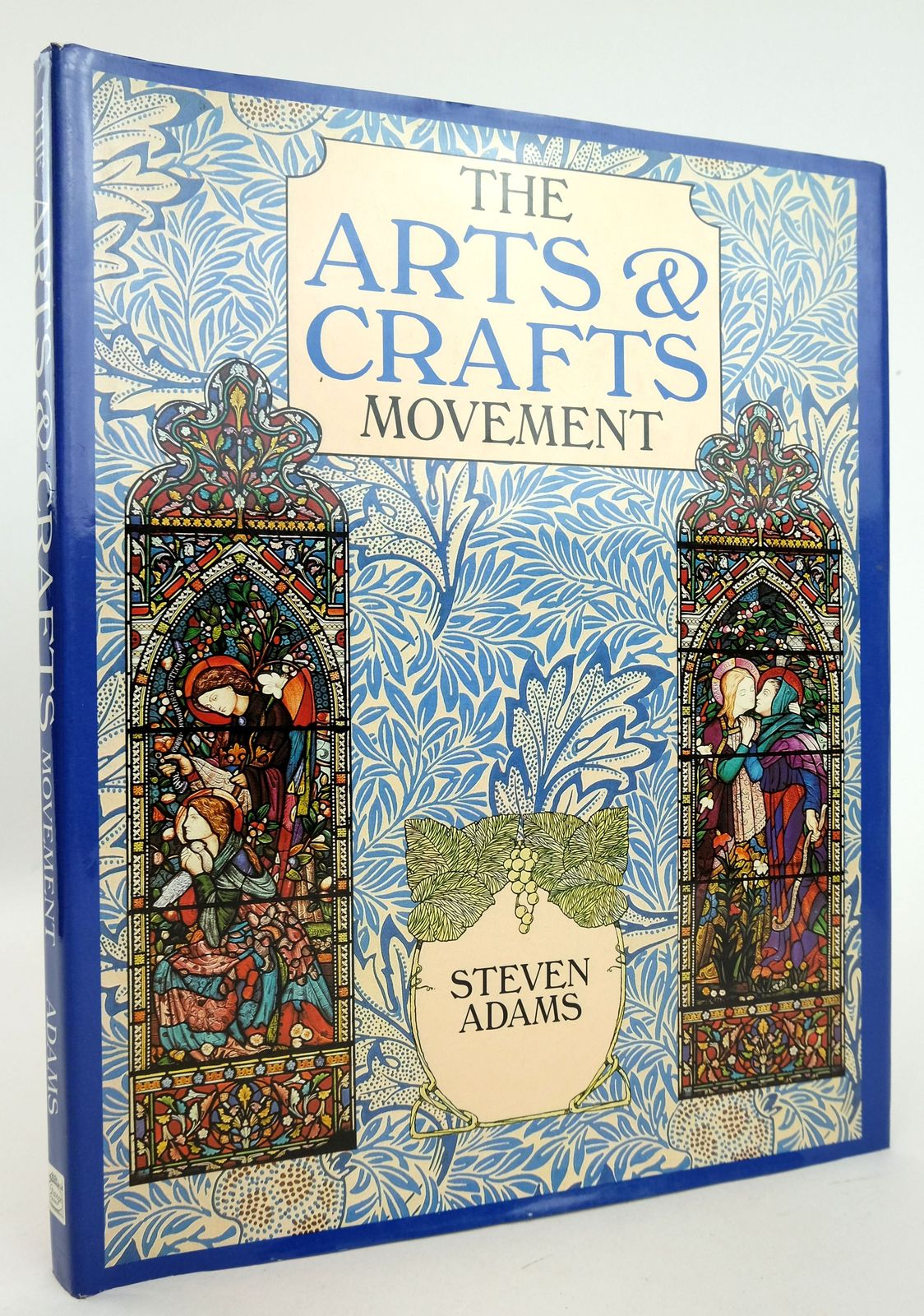 Photo of THE ARTS & CRAFTS MOVEMENT- Stock Number: 1819381