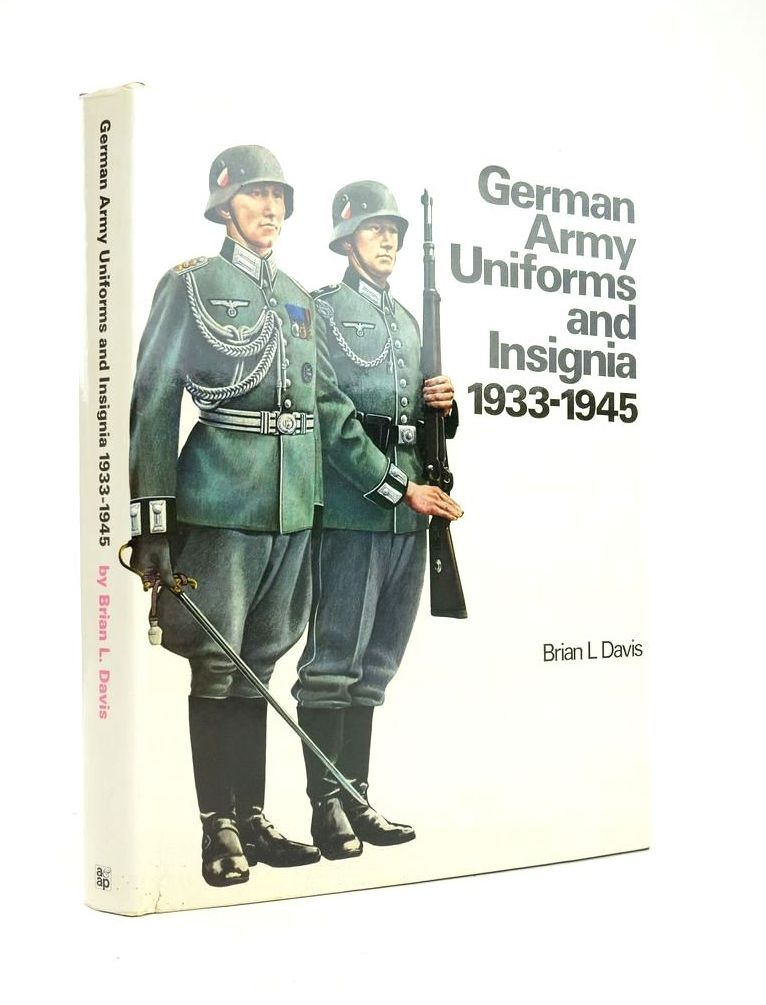 Photo of GERMAN ARMY UNIFORMS AND INSIGNIA 1933-1945- Stock Number: 1820883
