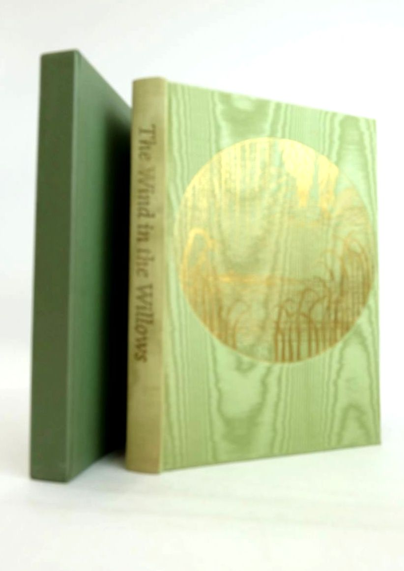 Photo of THE WIND IN THE WILLOWS written by Grahame, Kenneth Bennett, Alan illustrated by Lynch, James published by Folio Society (STOCK CODE: 1821290)  for sale by Stella & Rose's Books