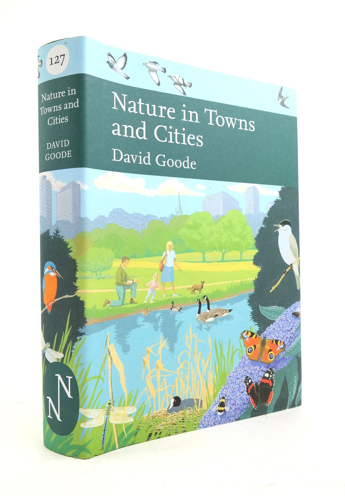 Photo of NATURE IN TOWNS AND CITIES (NN 127) written by Goode, David published by William Collins (STOCK CODE: 1821596)  for sale by Stella & Rose's Books