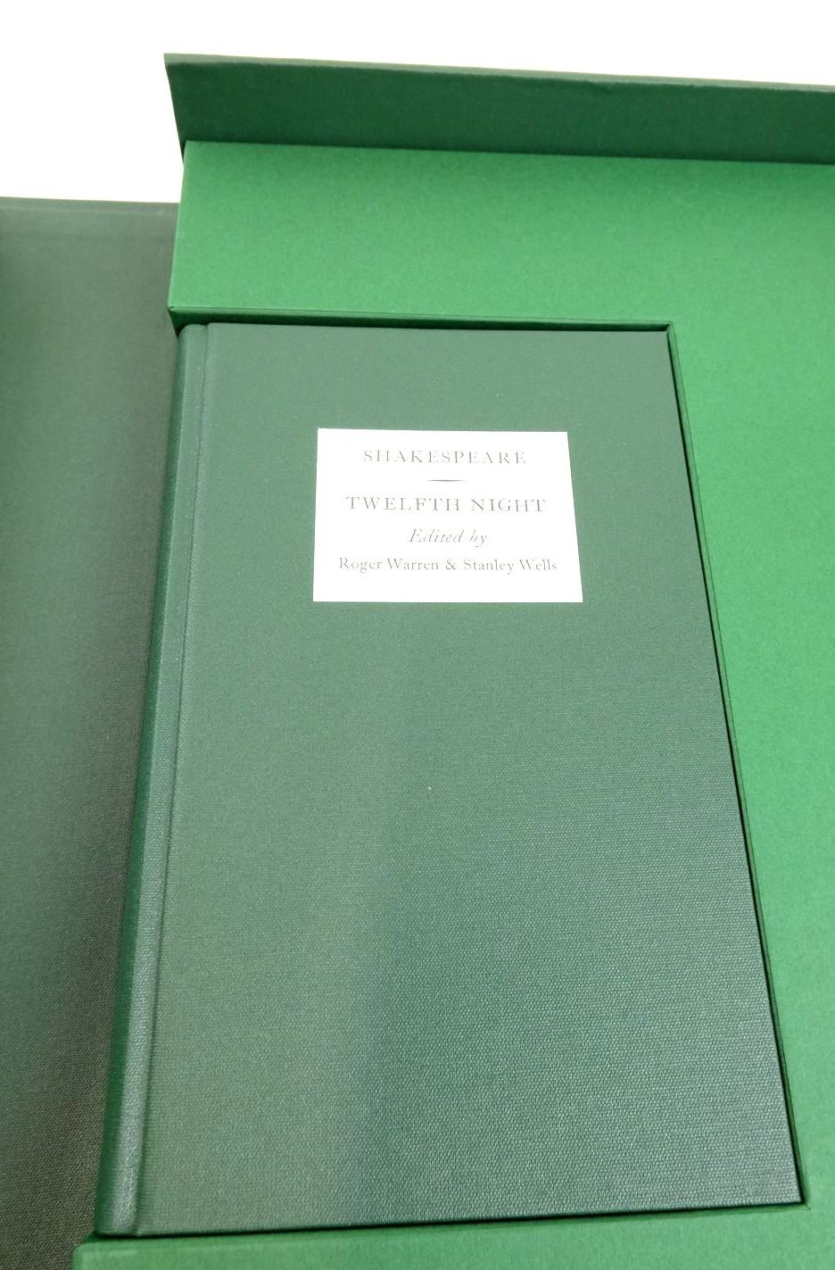 Photo of TWELFTH NIGHT OR WHAT YOU WILL (THE LETTERPRESS SHAKESPEARE) written by Shakespeare, William Warren, Roger Wells, Stanley published by Folio Society (STOCK CODE: 1821999)  for sale by Stella & Rose's Books