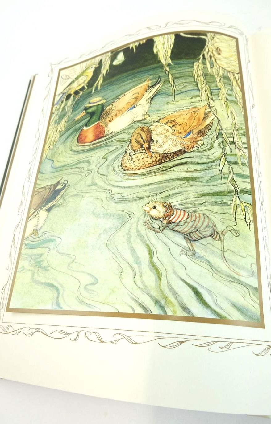 Photo of THE WIND IN THE WILLOWS written by Grahame, Kenneth illustrated by Van Sandwyk, Charles published by Folio Society (STOCK CODE: 1822022)  for sale by Stella & Rose's Books