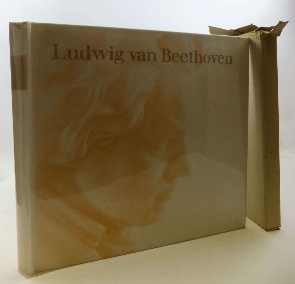 Photo of LUDWIG VAN BEETHOVEN written by Schmidt-Gorg, Joseph Schmidt, Hans published by Deutsche Grammophon (STOCK CODE: 2112078)  for sale by Stella & Rose's Books