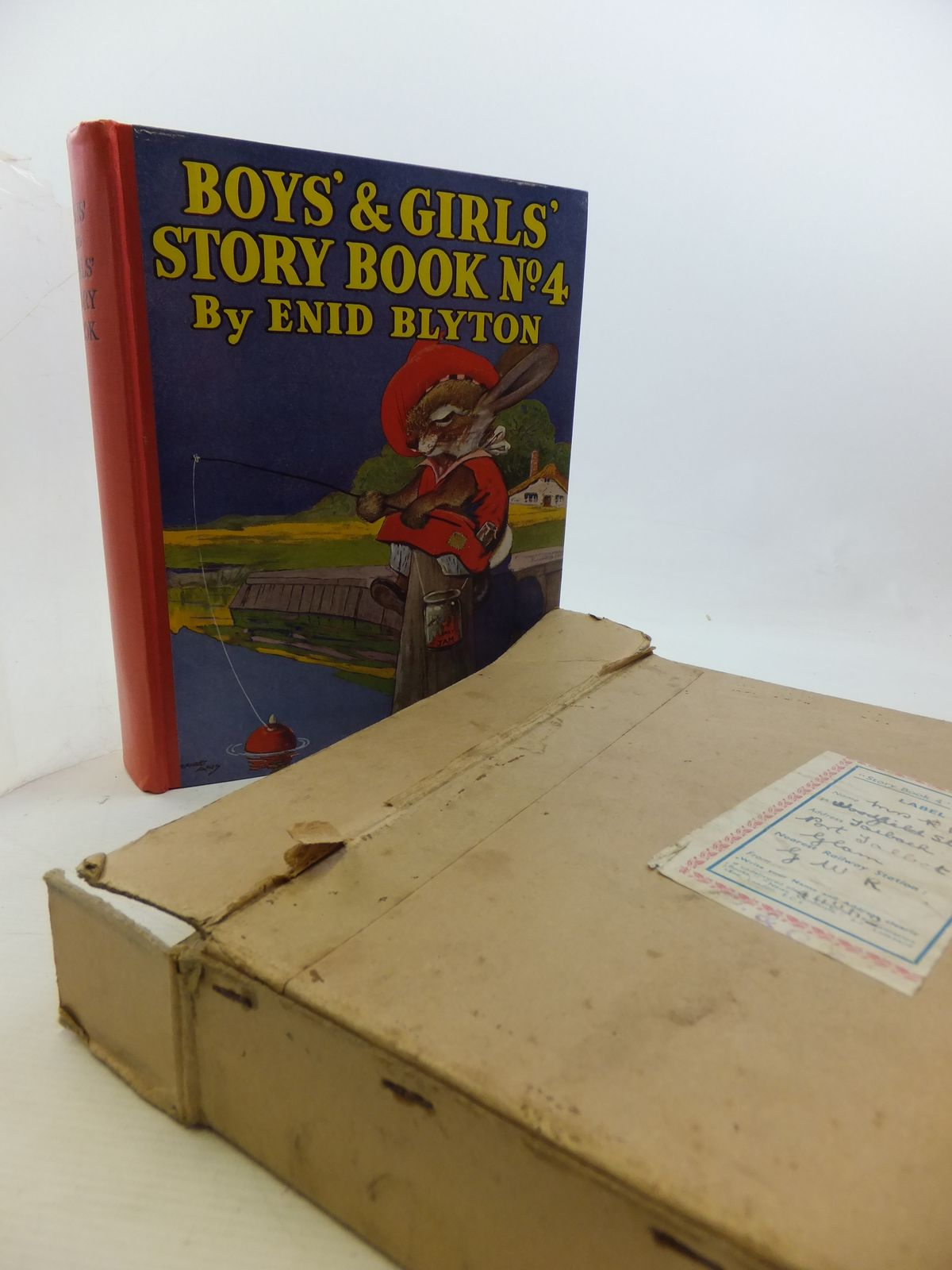 Photo of BOYS' AND GIRLS' STORY BOOK NO. 4 written by Blyton, Enid illustrated by Aris, Ernest A.<br />Venus, Sylvia<br />Davie, E.H.<br />Robinson, Gordon published by News Chronicle Ltd. (STOCK CODE: 2114455)  for sale by Stella & Rose's Books