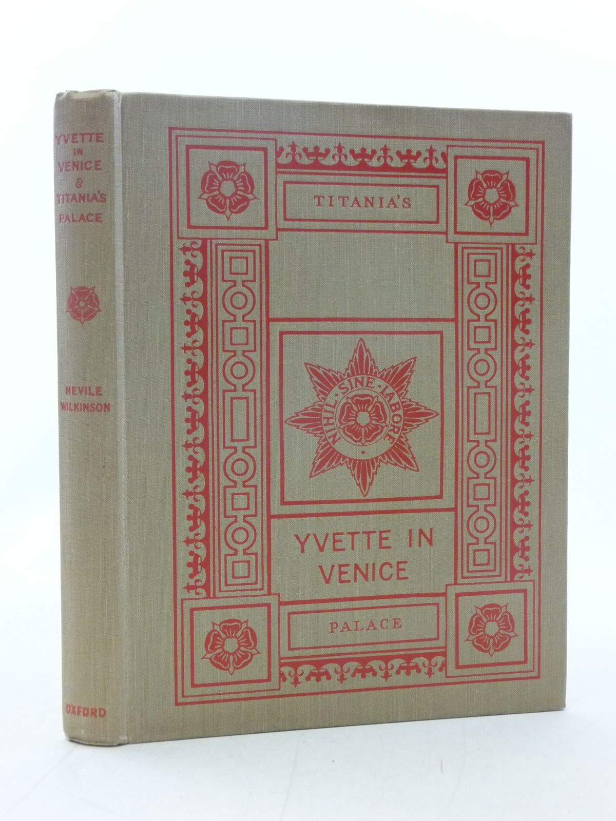 Photo of YVETTE IN VENICE & TITANIA'S PALACE- Stock Number: 2114790