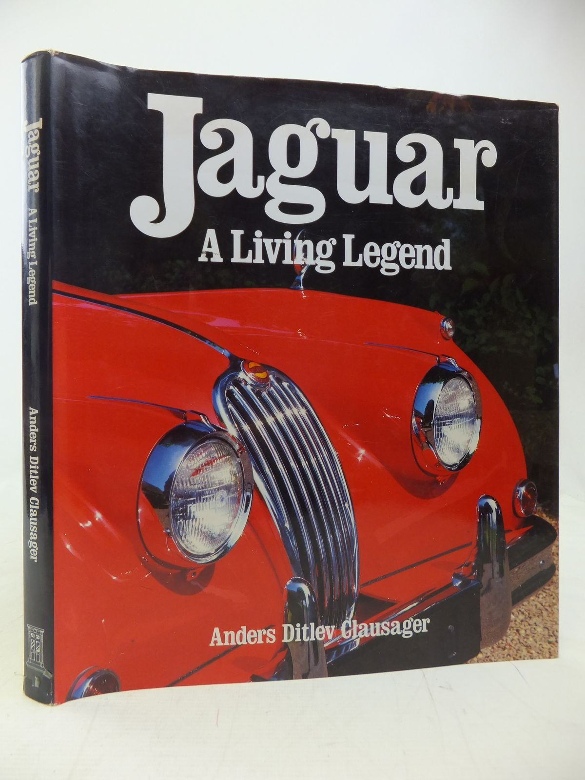 Photo of JAGUAR A LIVING LEGEND- Stock Number: 2115301