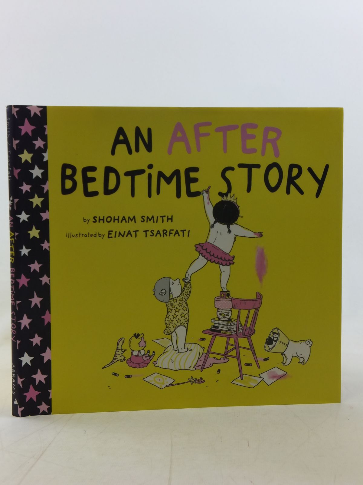 Photo of AN AFTER BEDTIME STORY written by Smith, Shoham illustrated by Tsarfati, Einat published by Abrams Books For Young Readers (STOCK CODE: 2117901)  for sale by Stella & Rose's Books