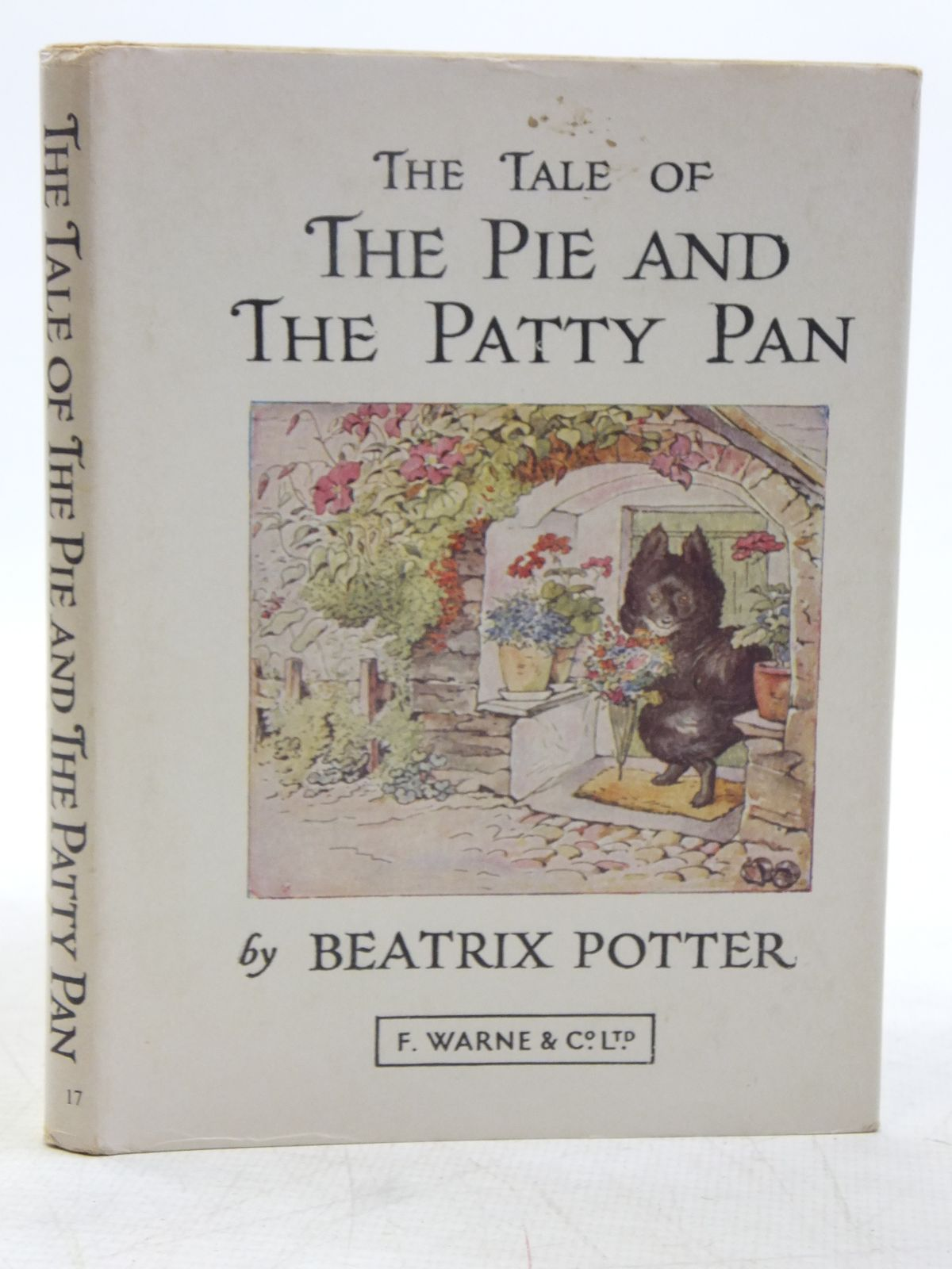 Photo of THE TALE OF THE PIE AND THE PATTY PAN written by Potter, Beatrix illustrated by Potter, Beatrix published by Frederick Warne & Co Ltd. (STOCK CODE: 2119326)  for sale by Stella & Rose's Books