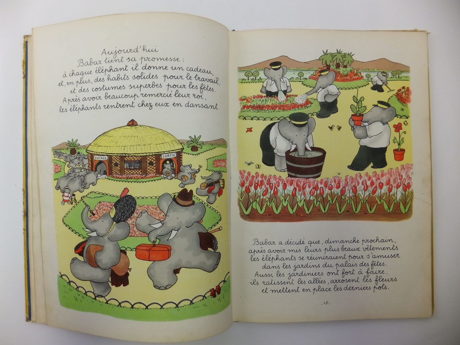 Photo of LE ROI BABAR written by De Brunhoff, Jean illustrated by De Brunhoff, Jean published by Editions Du Jardin Des Modes (STOCK CODE: 2121223)  for sale by Stella & Rose's Books