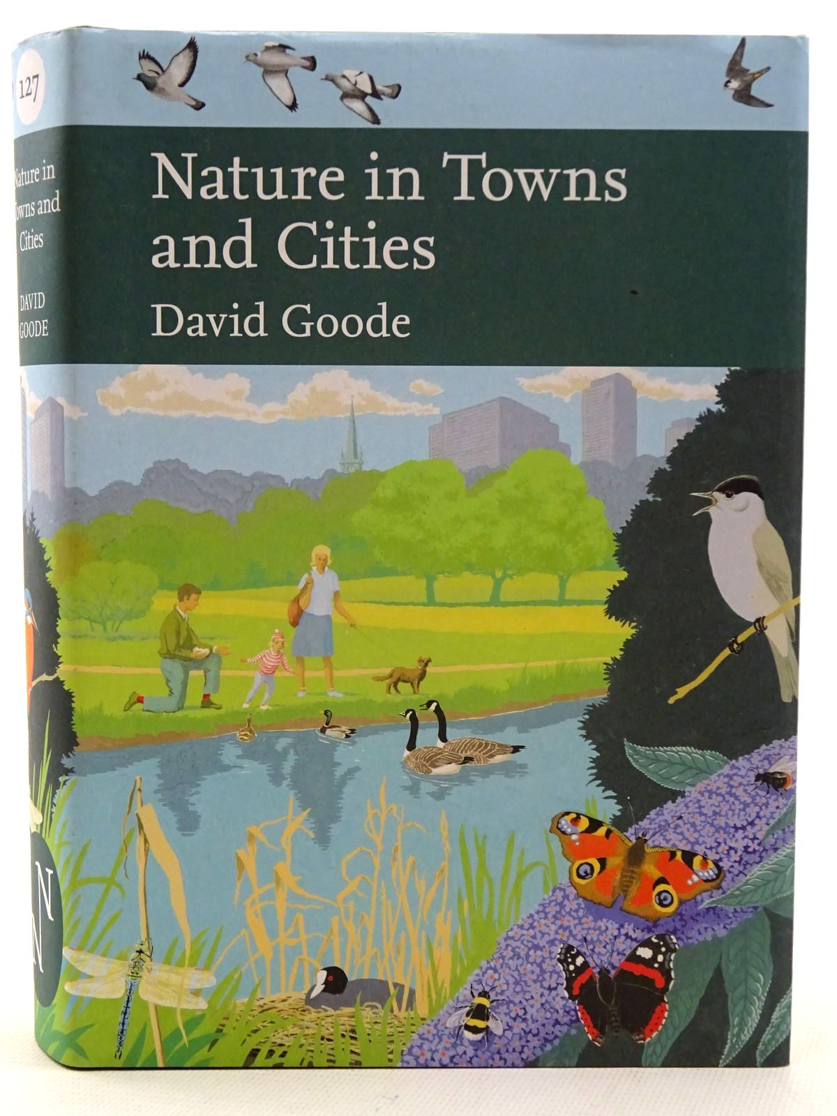 Photo of NATURE IN TOWNS AND CITIES (NN 127) written by Goode, David published by William Collins (STOCK CODE: 2126090)  for sale by Stella & Rose's Books