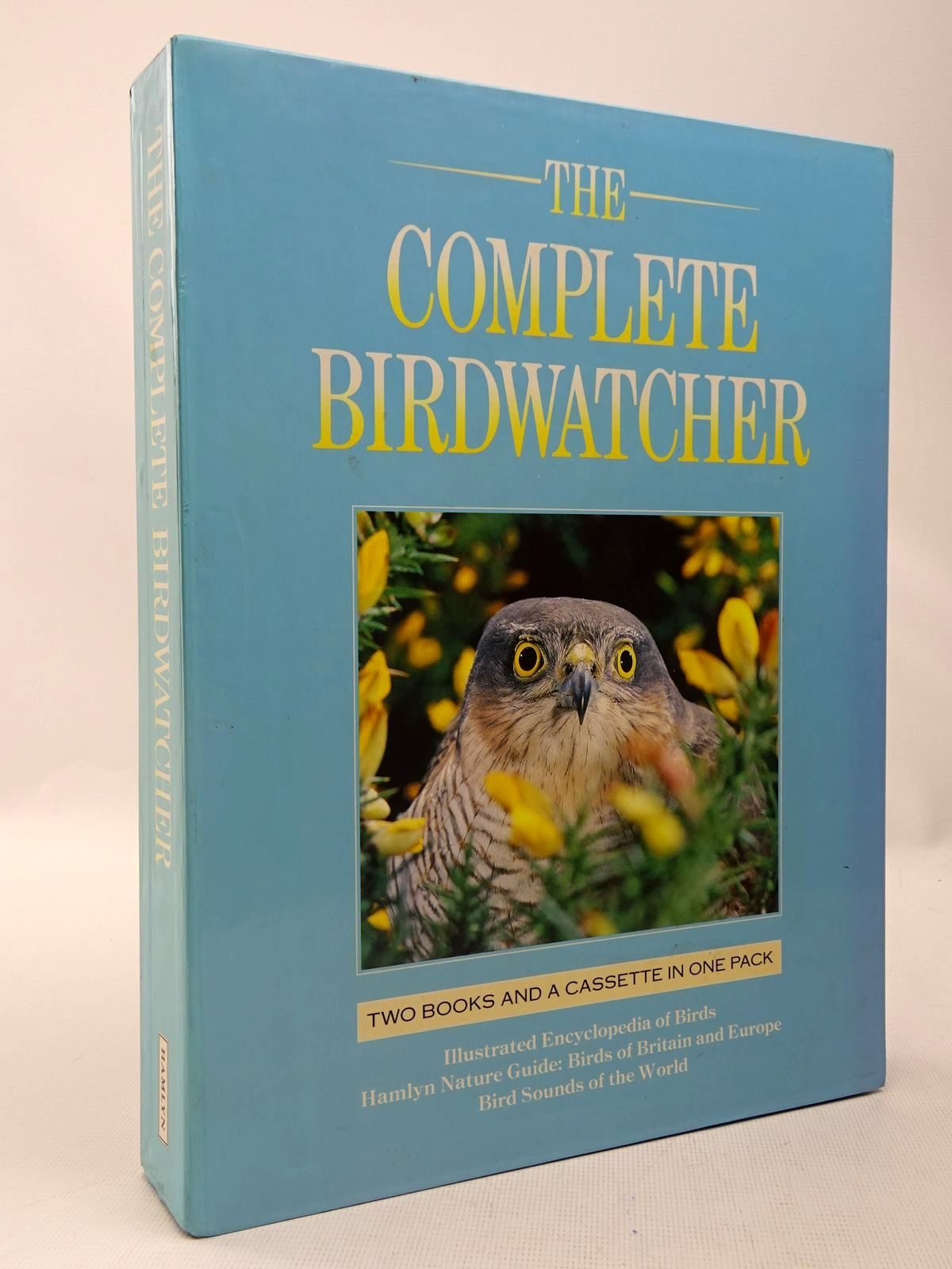 Photo of THE COMPLETE BIRDWATCHER written by Andrews, John et al,  published by Hamlyn (STOCK CODE: 2127986)  for sale by Stella & Rose's Books