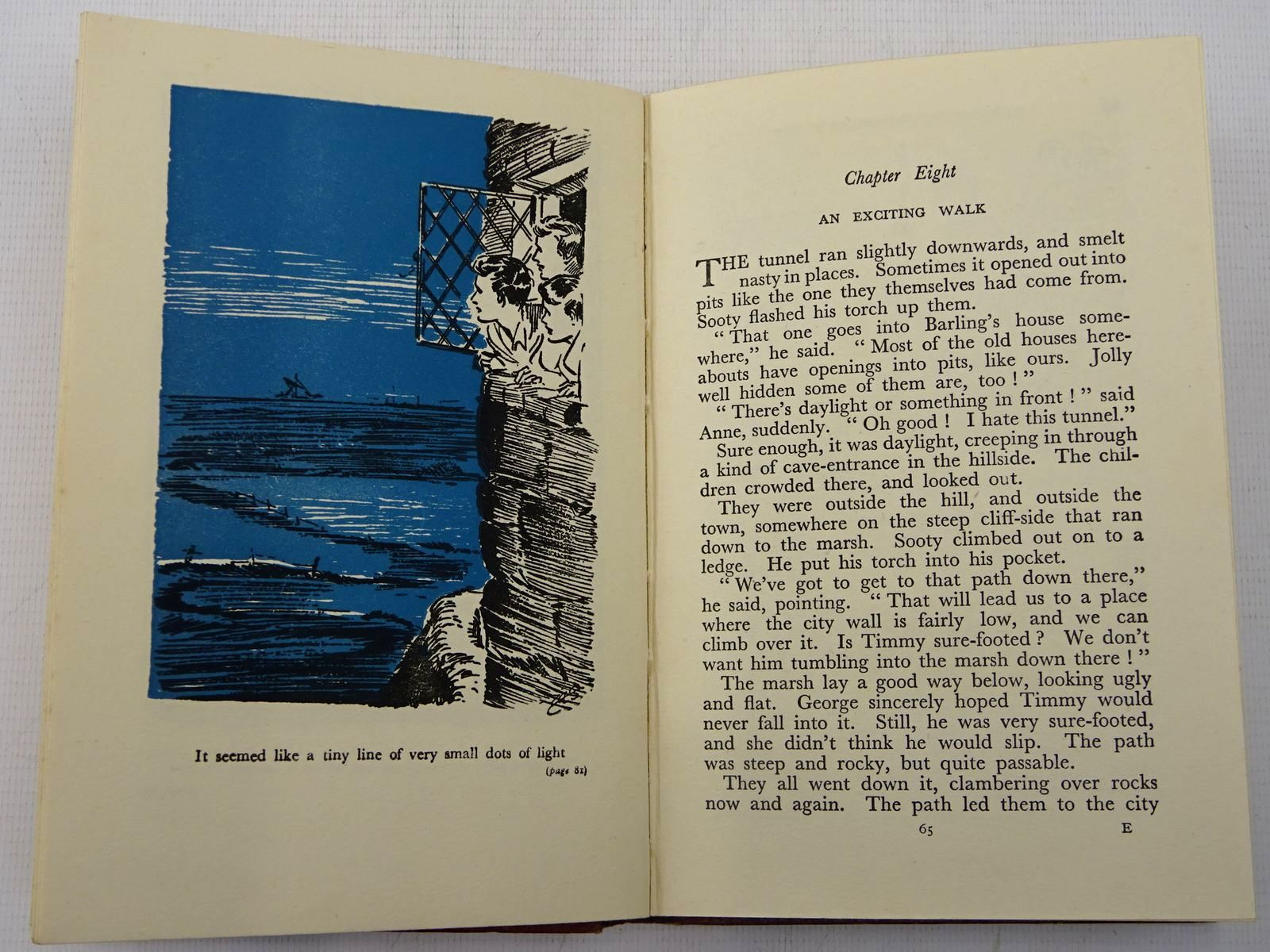 Photo of FIVE GO TO SMUGGLER'S TOP written by Blyton, Enid illustrated by Soper, Eileen published by Hodder & Stoughton (STOCK CODE: 2128060)  for sale by Stella & Rose's Books