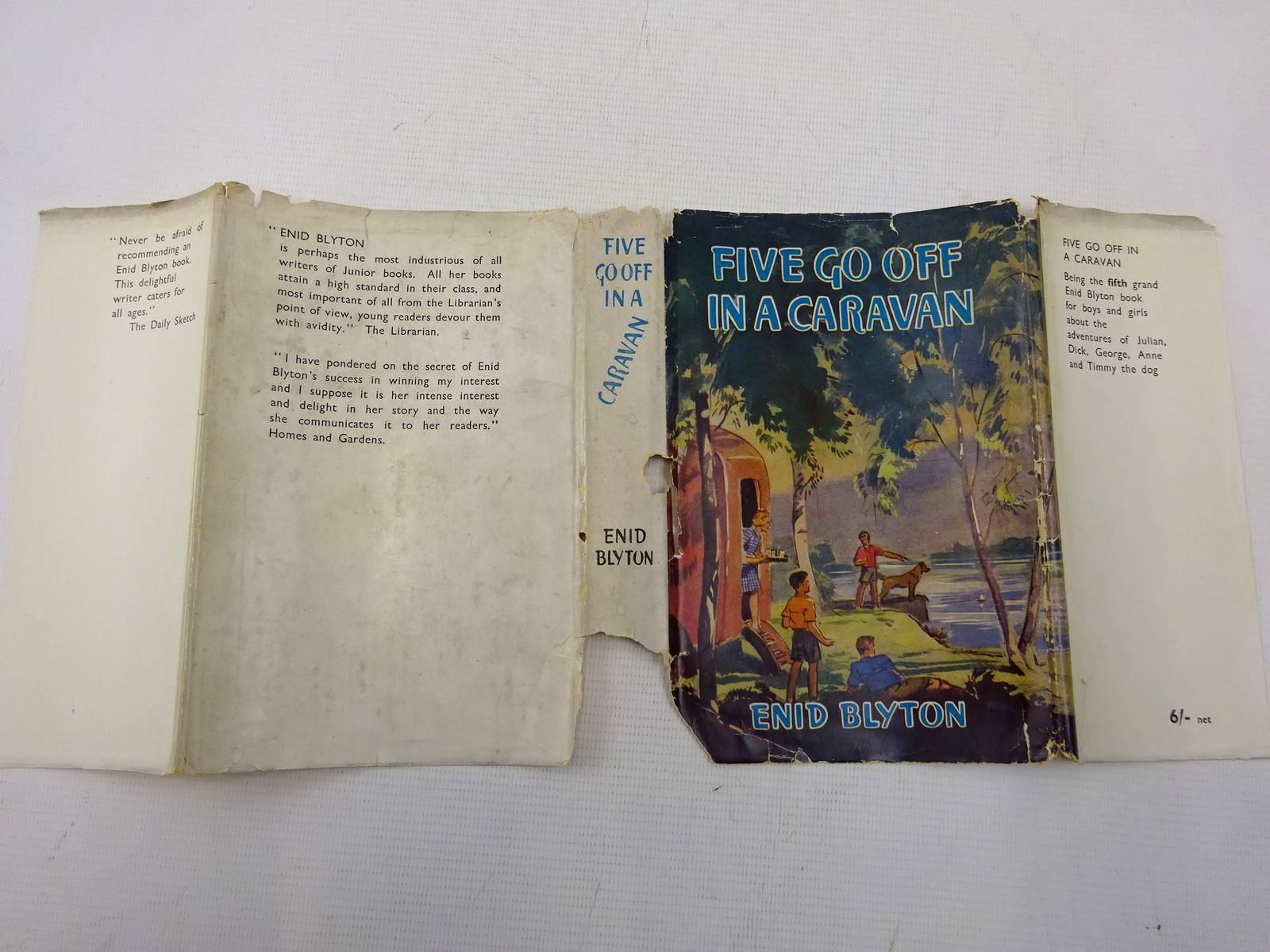 Photo of FIVE GO OFF IN A CARAVAN written by Blyton, Enid illustrated by Soper, Eileen published by Hodder & Stoughton (STOCK CODE: 2128335)  for sale by Stella & Rose's Books