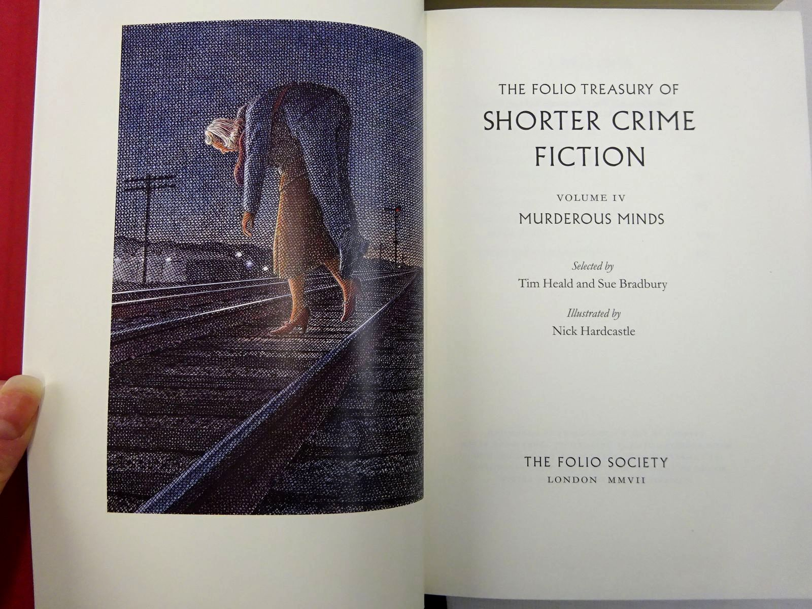 Photo of THE FOLIO TREASURY OF SHORTER CRIME FICTION written by Heald, Tim