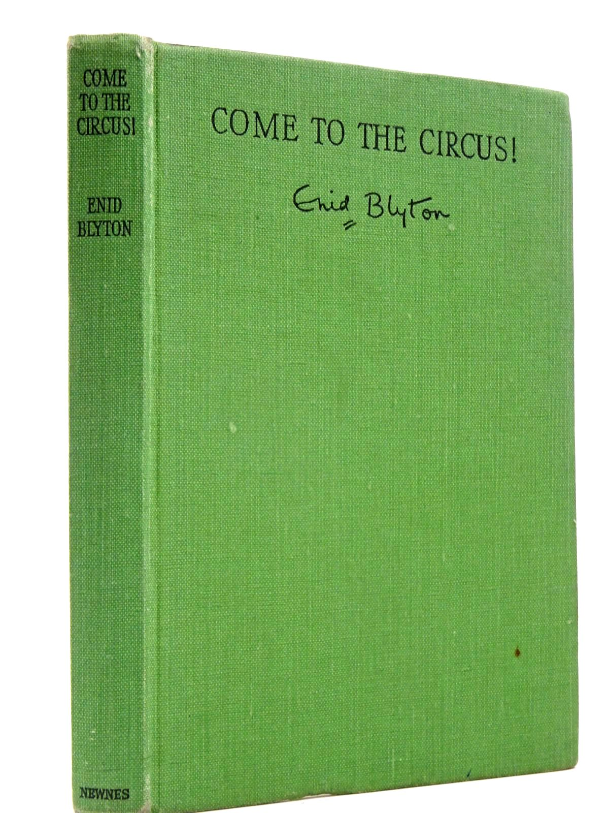Photo of COME TO THE CIRCUS!- Stock Number: 2130176