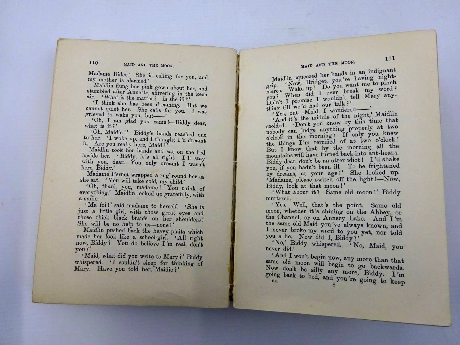 Photo of BIDDY'S SECRET written by Oxenham, Elsie J. published by W. & R. Chambers Limited (STOCK CODE: 2130271)  for sale by Stella & Rose's Books