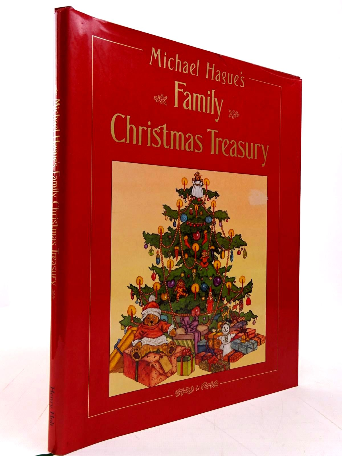 Photo of MICHAEL HAGUE'S FAMILY CHRISTMAS TREASURY illustrated by Hague, Michael published by Henry Holt And Company, Inc. (STOCK CODE: 2130604)  for sale by Stella & Rose's Books