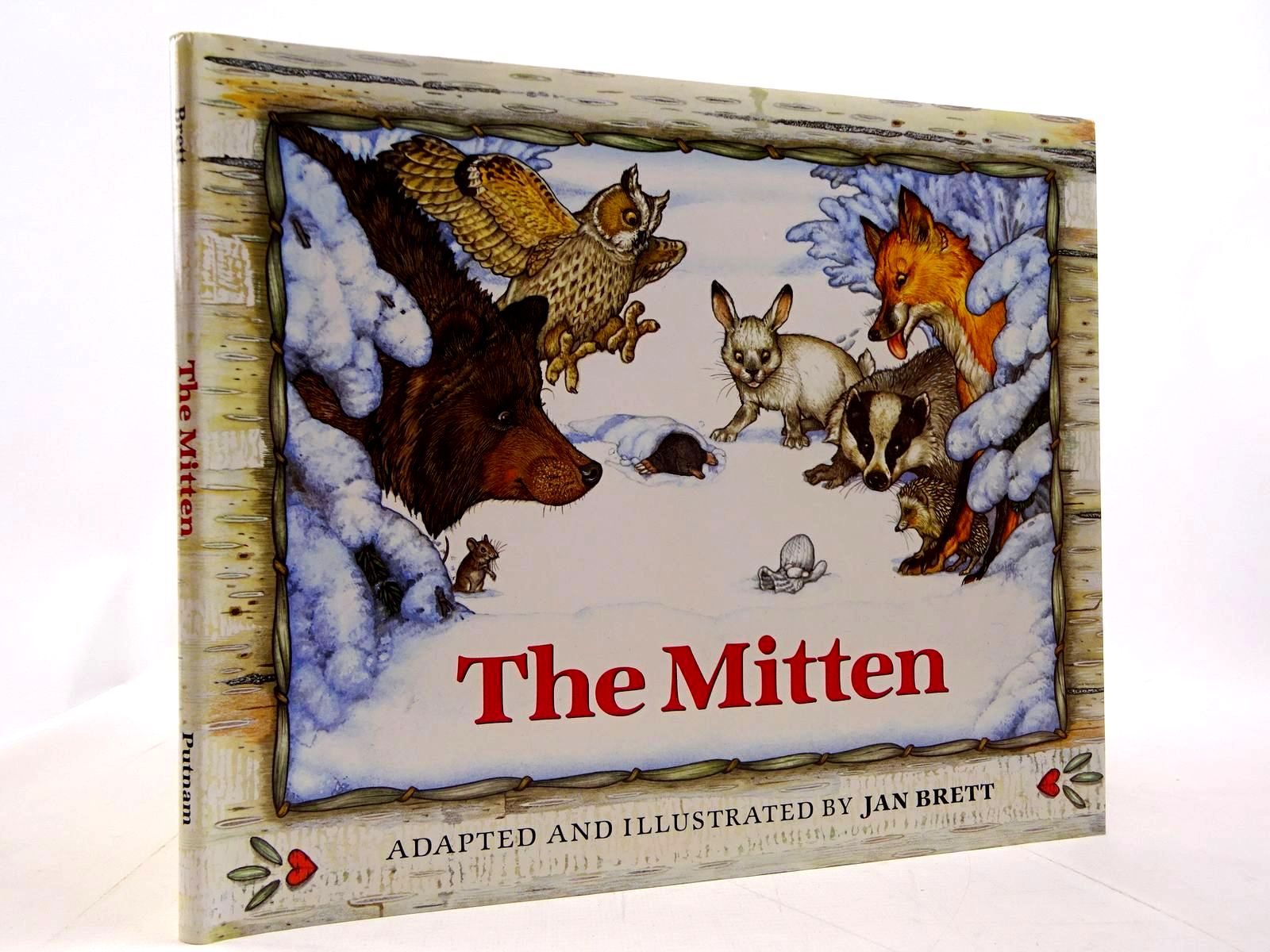 Photo of THE MITTEN written by Brett, Jan illustrated by Brett, Jan published by G.P. Putnam's Sons (STOCK CODE: 2130734)  for sale by Stella & Rose's Books