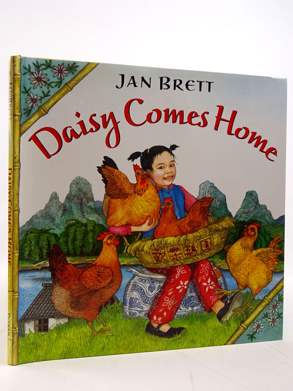 Photo of DAISY COMES HOME written by Brett, Jan illustrated by Brett, Jan published by G.P. Putnam's Sons (STOCK CODE: 2130802)  for sale by Stella & Rose's Books