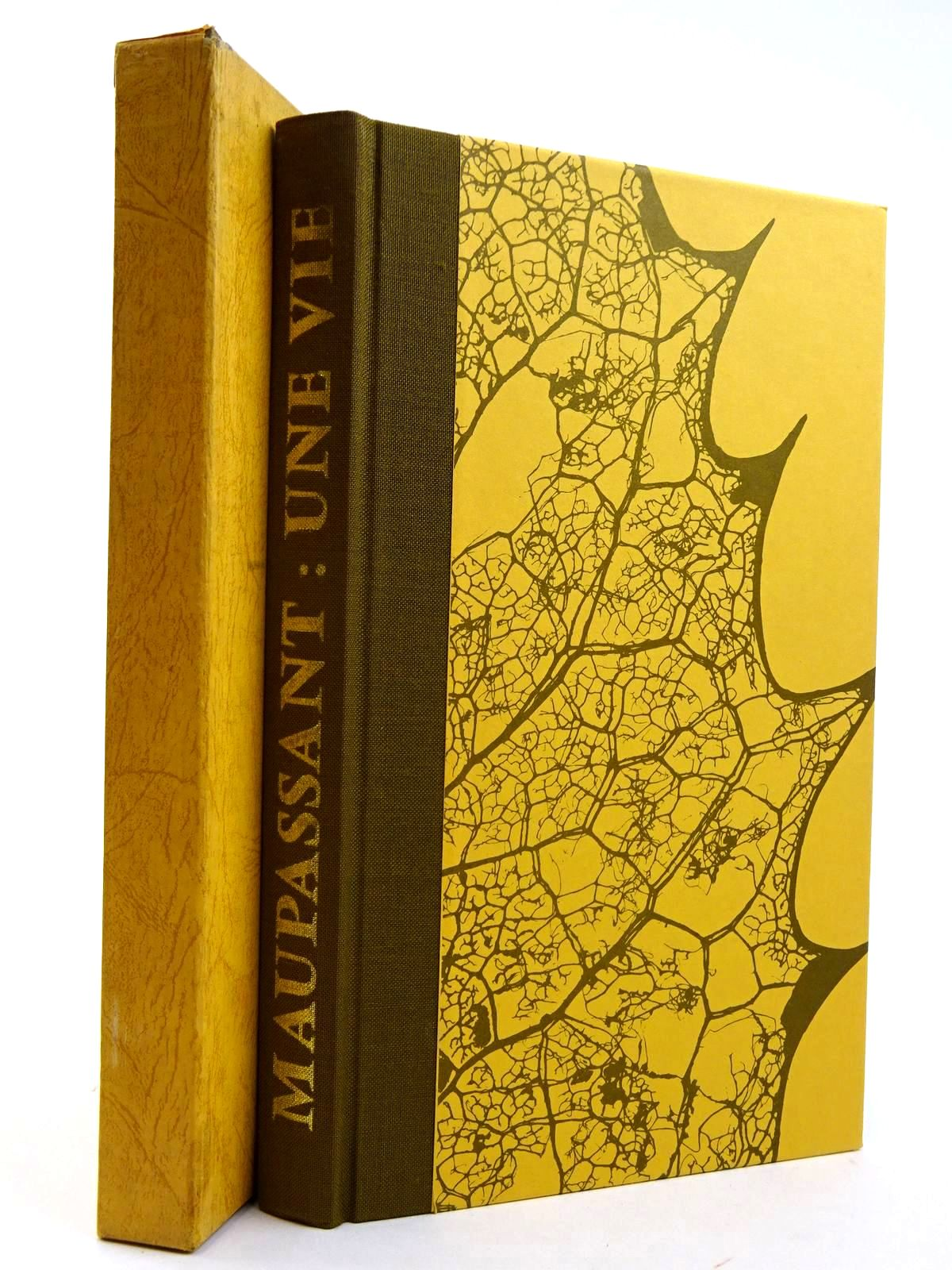 Photo of UNE VIE written by De Maupassant, Guy illustrated by Acs, Laszlo published by Folio Society (STOCK CODE: 2131724)  for sale by Stella & Rose's Books