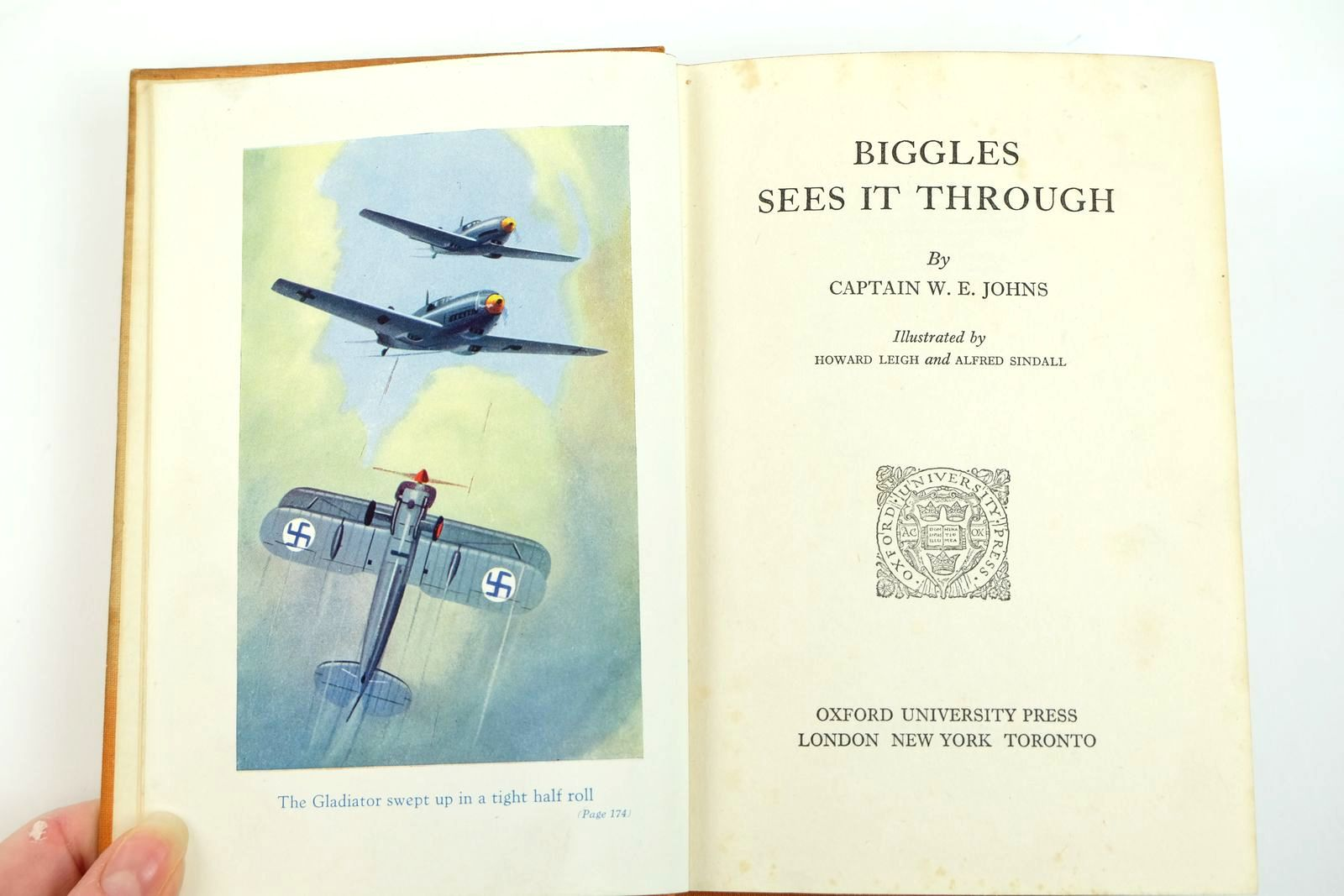 Photo of BIGGLES SEES IT THROUGH written by Johns, W.E. illustrated by Leigh, Howard