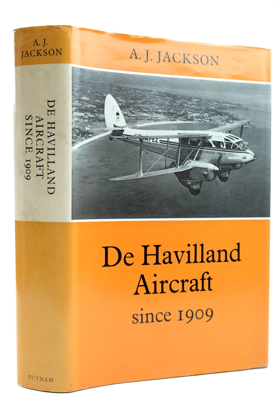 Photo of DE HAVILLAND AIRCRAFT SINCE 1909 written by Jackson, A.J. published by Putnam (STOCK CODE: 2131911)  for sale by Stella & Rose's Books