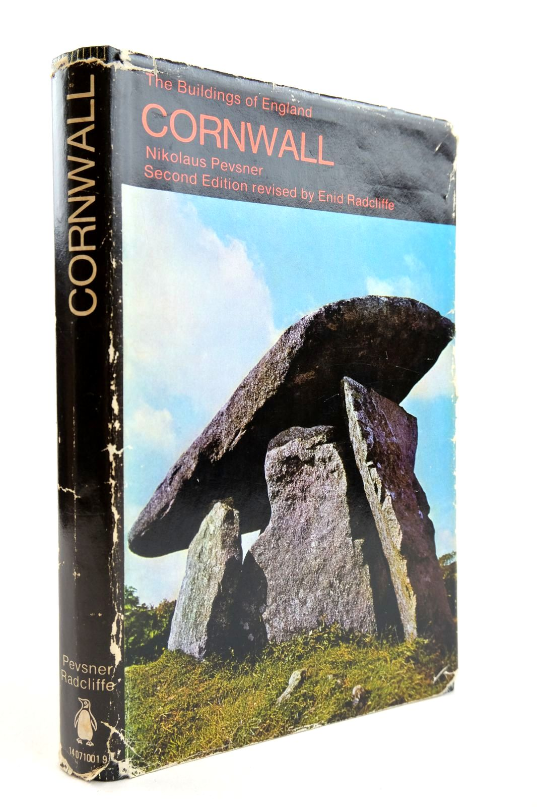Photo of CORNWALL (BUILDINGS OF ENGLAND) written by Pevsner, Nikolaus Radcliffe, Enid published by Penguin (STOCK CODE: 2132594)  for sale by Stella & Rose's Books