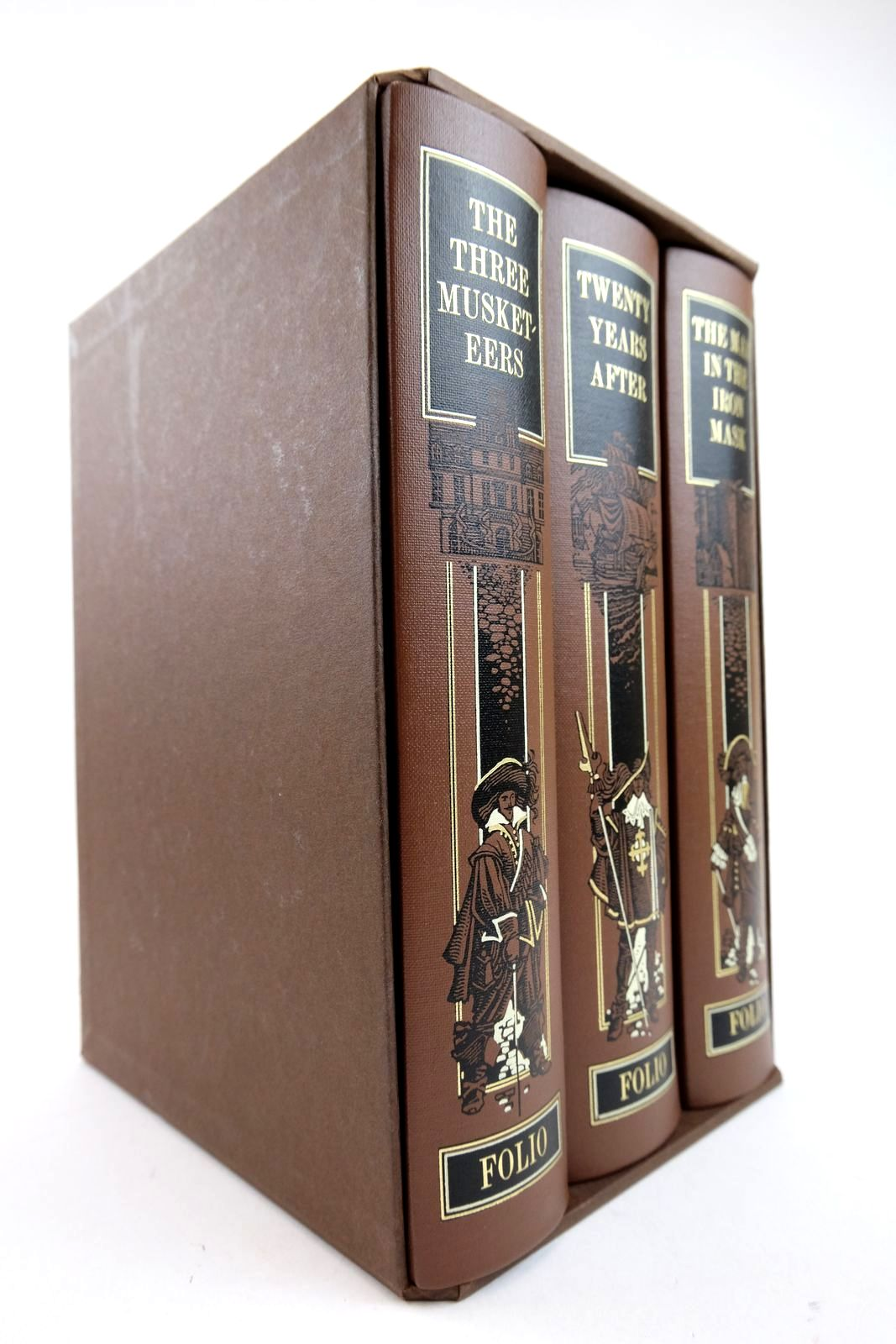 Photo of THE THREE MUSKETEERS, TWENTY YEARS AFTER, THE MAN IN THE IRON MASK written by Dumas, Alexandre Fraser, George Macdonald illustrated by Pisarev, Roman published by Folio Society (STOCK CODE: 2132902)  for sale by Stella & Rose's Books