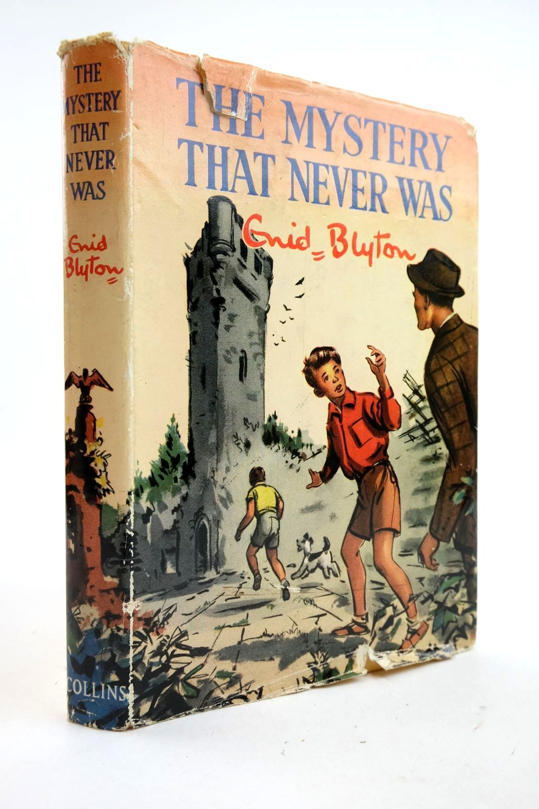 Photo of THE MYSTERY THAT NEVER WAS written by Blyton, Enid illustrated by Dunlop, Gilbert published by Collins (STOCK CODE: 2133070)  for sale by Stella & Rose's Books