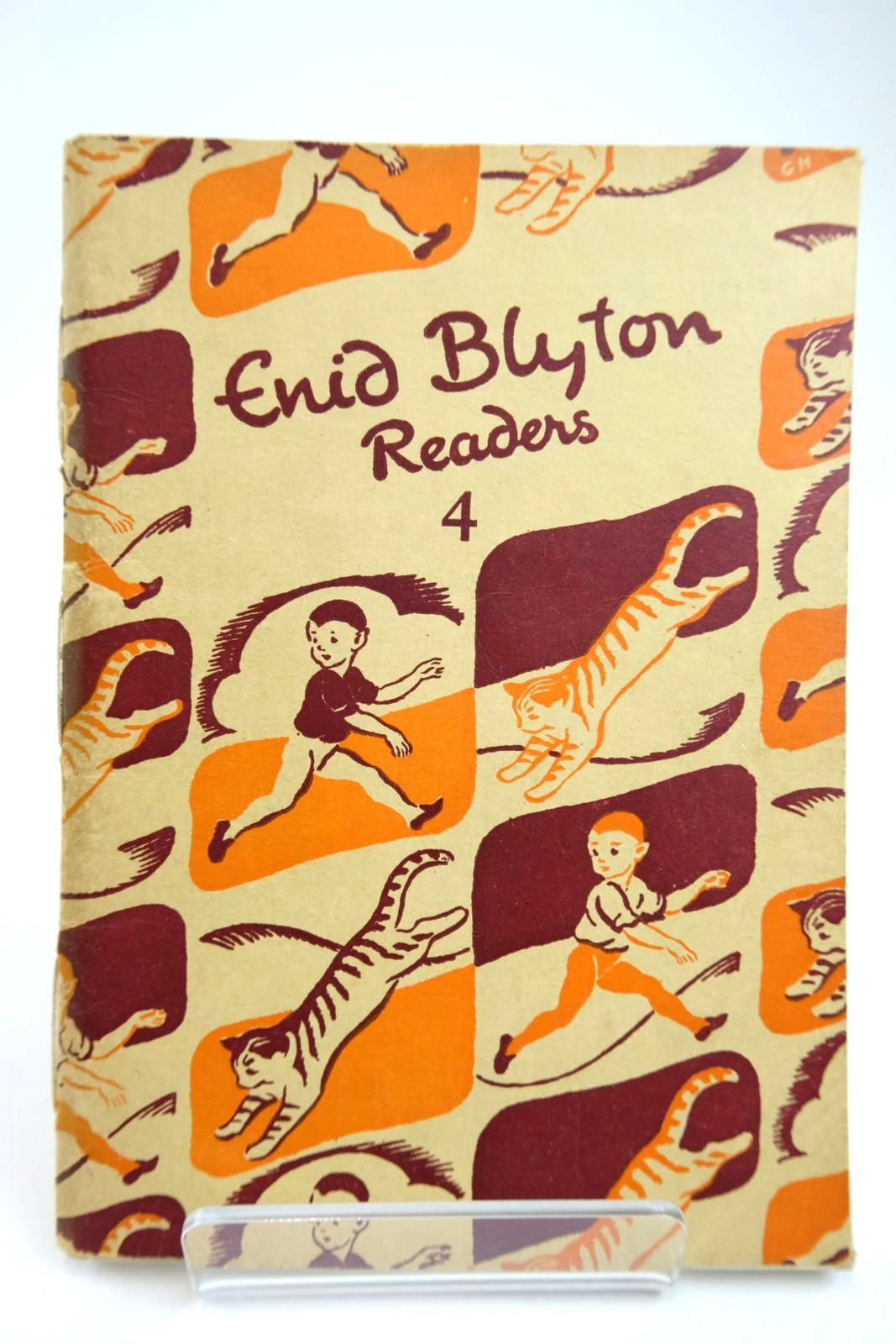 Photo of ENID BLYTON READERS 4 written by Blyton, Enid illustrated by Soper, Eileen published by Macmillan & Co. Ltd. (STOCK CODE: 2133408)  for sale by Stella & Rose's Books