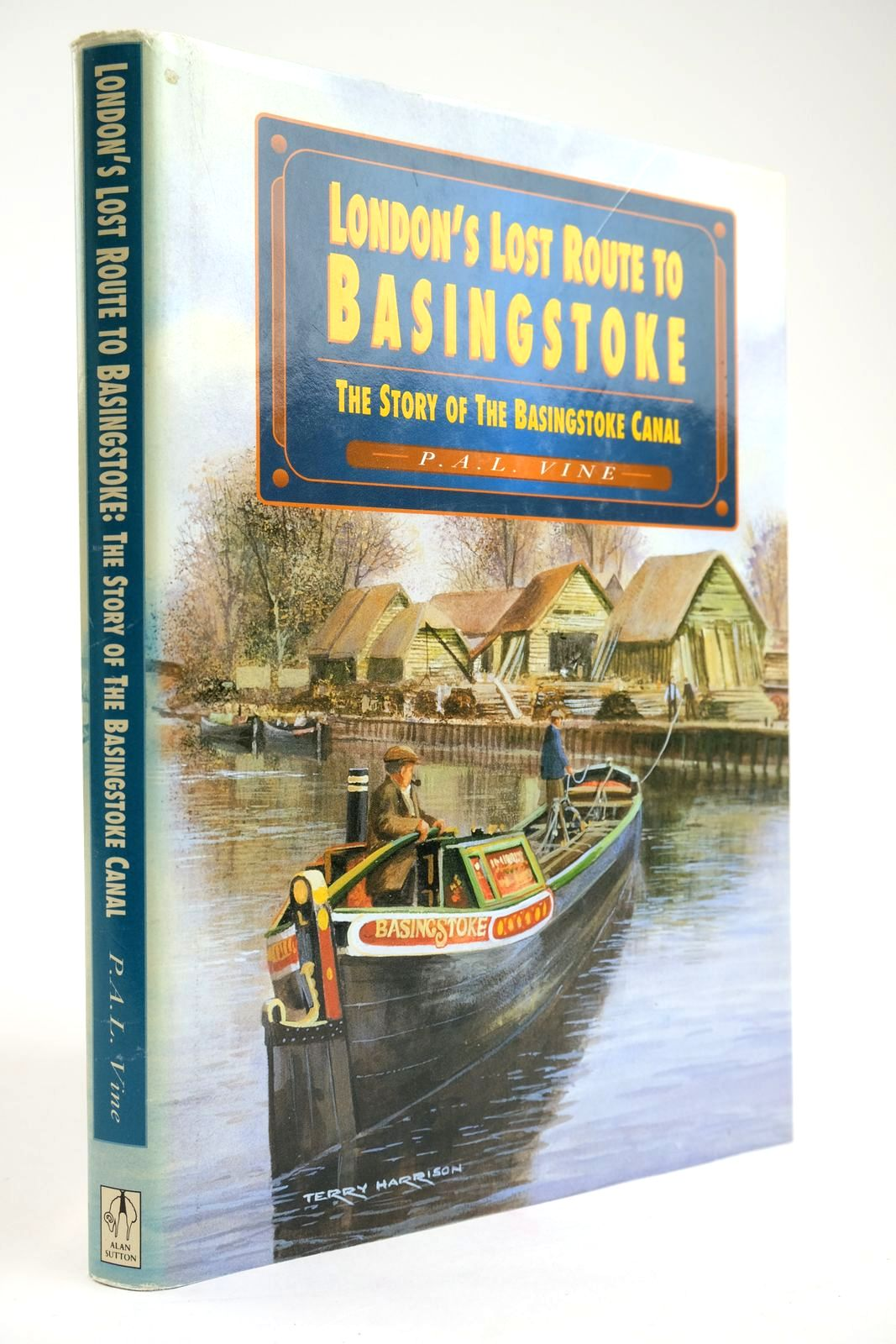 Photo of LONDON'S LOST ROUTE TO BASINGSTOKE: THE STORY OF THE BASINGSTOKE CANAL- Stock Number: 2133567