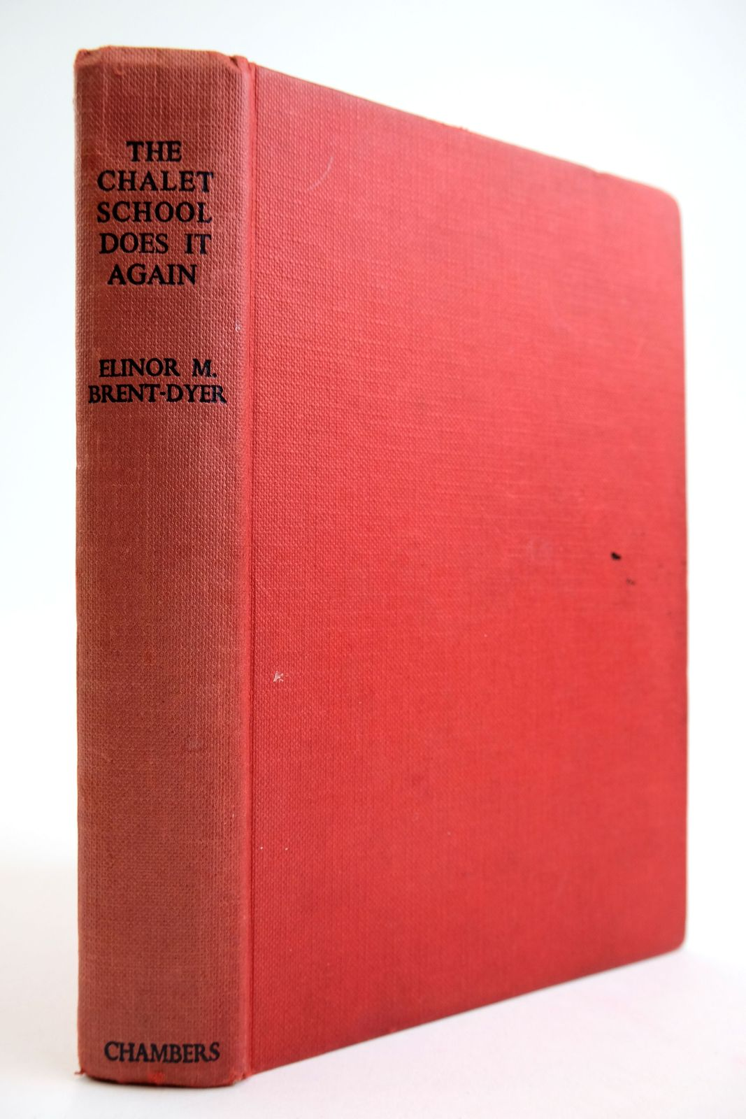 Photo of THE CHALET SCHOOL DOES IT AGAIN written by Brent-Dyer, Elinor M. illustrated by Brook, D. published by W. & R. Chambers Limited (STOCK CODE: 2133649)  for sale by Stella & Rose's Books