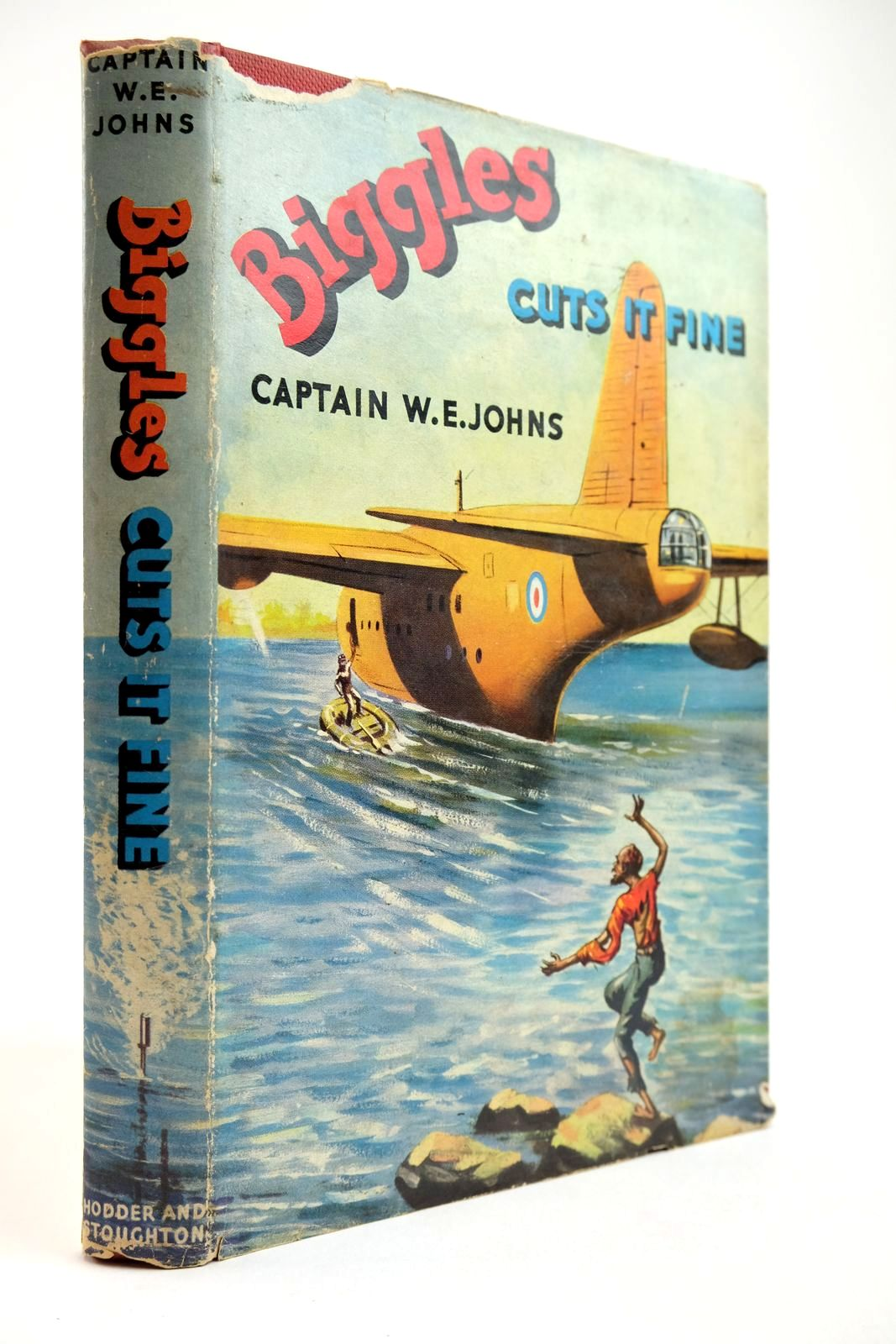 Photo of BIGGLES CUTS IT FINE written by Johns, W.E. illustrated by Stead, Studio published by Hodder & Stoughton (STOCK CODE: 2134081)  for sale by Stella & Rose's Books
