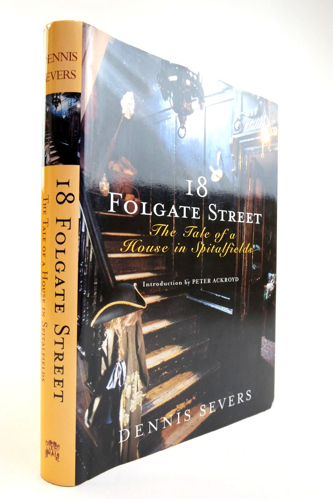Photo of 18 FOLGATE STREET: THE TALE OF A HOUSE IN SPITALFIELDS- Stock Number: 2134162