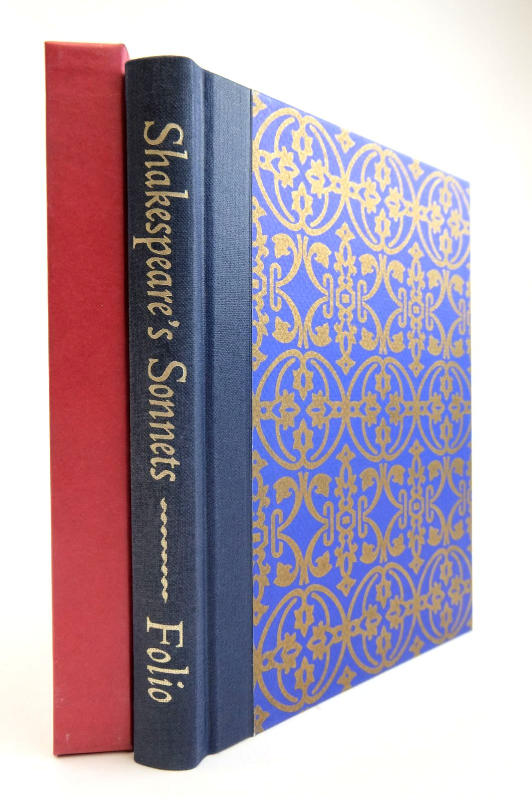 Photo of SHAKESPEARE'S SONNETS AND A LOVER'S COMPLAINT written by Shakespeare, William illustrated by Brett, Simon et al.,  published by Folio Society (STOCK CODE: 2134231)  for sale by Stella & Rose's Books