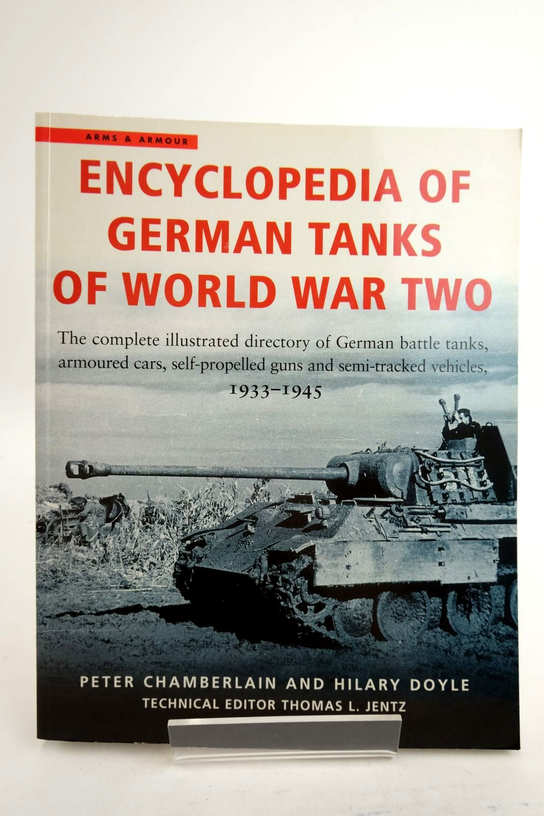 Photo of ENCYCLOPEDIA OF GERMAN TANKS OF WORLD WAR TWO written by Chamberlain, Peter Doyle, Hilary published by Arms & Armour Press (STOCK CODE: 2134467)  for sale by Stella & Rose's Books