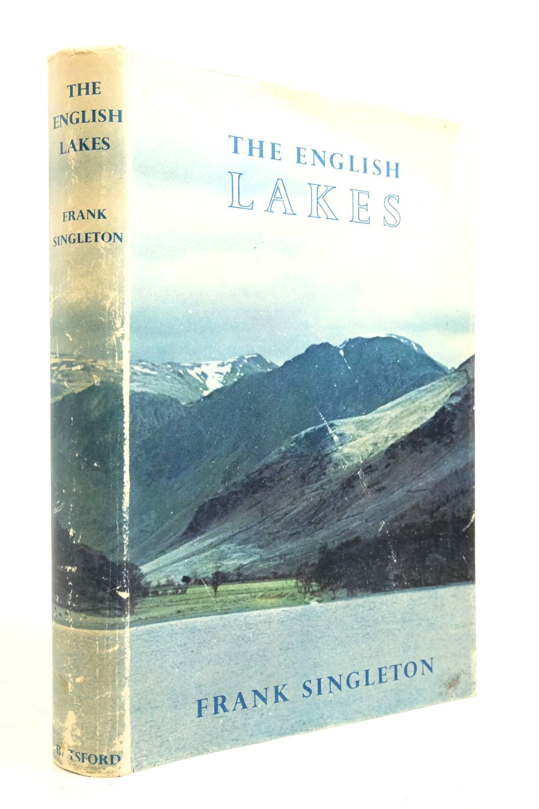 Photo of THE ENGLISH LAKES written by Singleton, Frank published by B.T. Batsford (STOCK CODE: 2134697)  for sale by Stella & Rose's Books