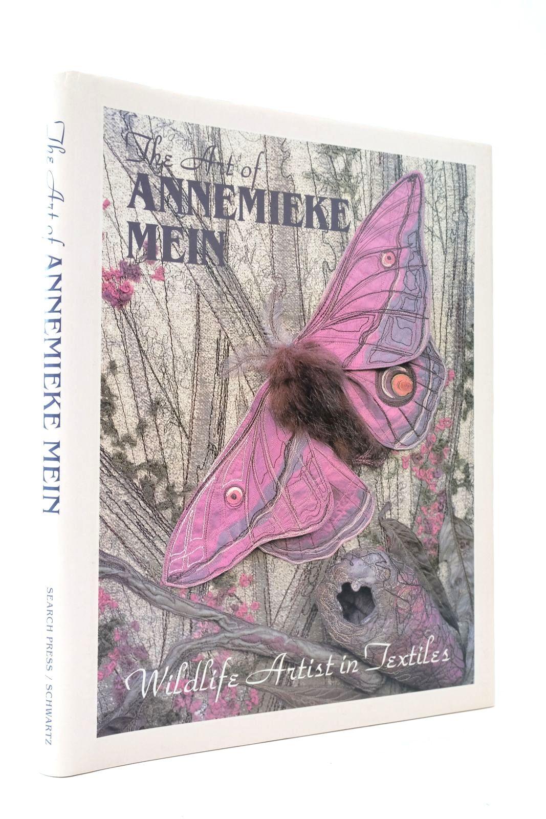 Photo of THE ART OF ANNEMIEKE MEIN WILDLIFE ARTIST IN TEXTILES- Stock Number: 2134826