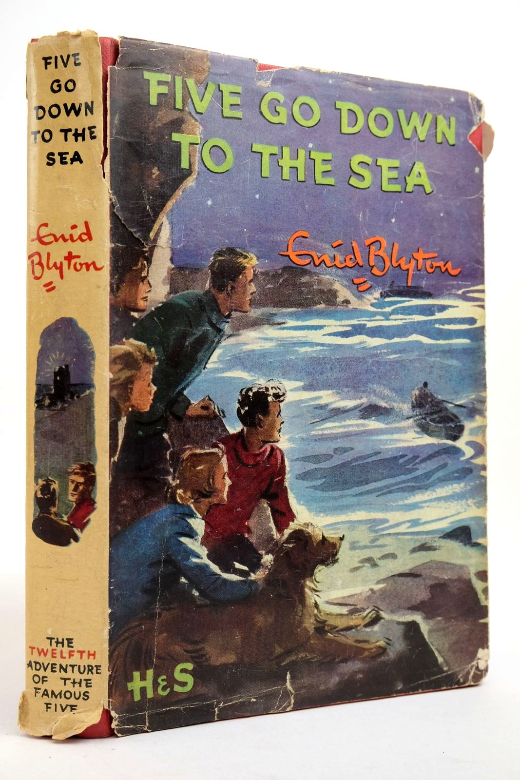 Photo of FIVE GO DOWN TO THE SEA written by Blyton, Enid illustrated by Soper, Eileen published by Hodder & Stoughton (STOCK CODE: 2134941)  for sale by Stella & Rose's Books